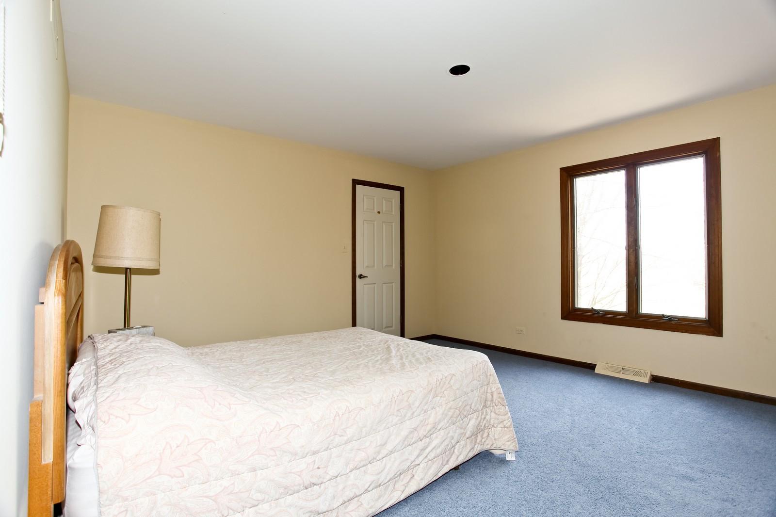 Real Estate Photography - 5N300 Sundance, Saint Charles, IL, 60175 - 2nd Bedroom