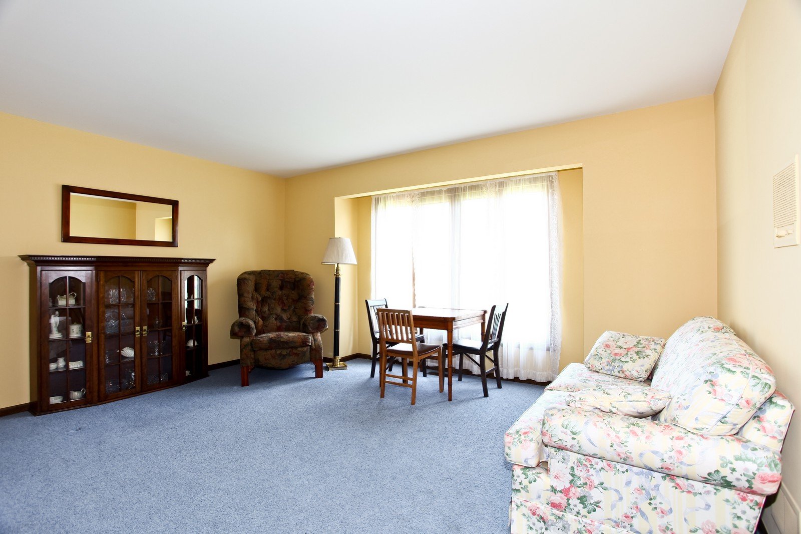 Real Estate Photography - 5N300 Sundance, Saint Charles, IL, 60175 - Study