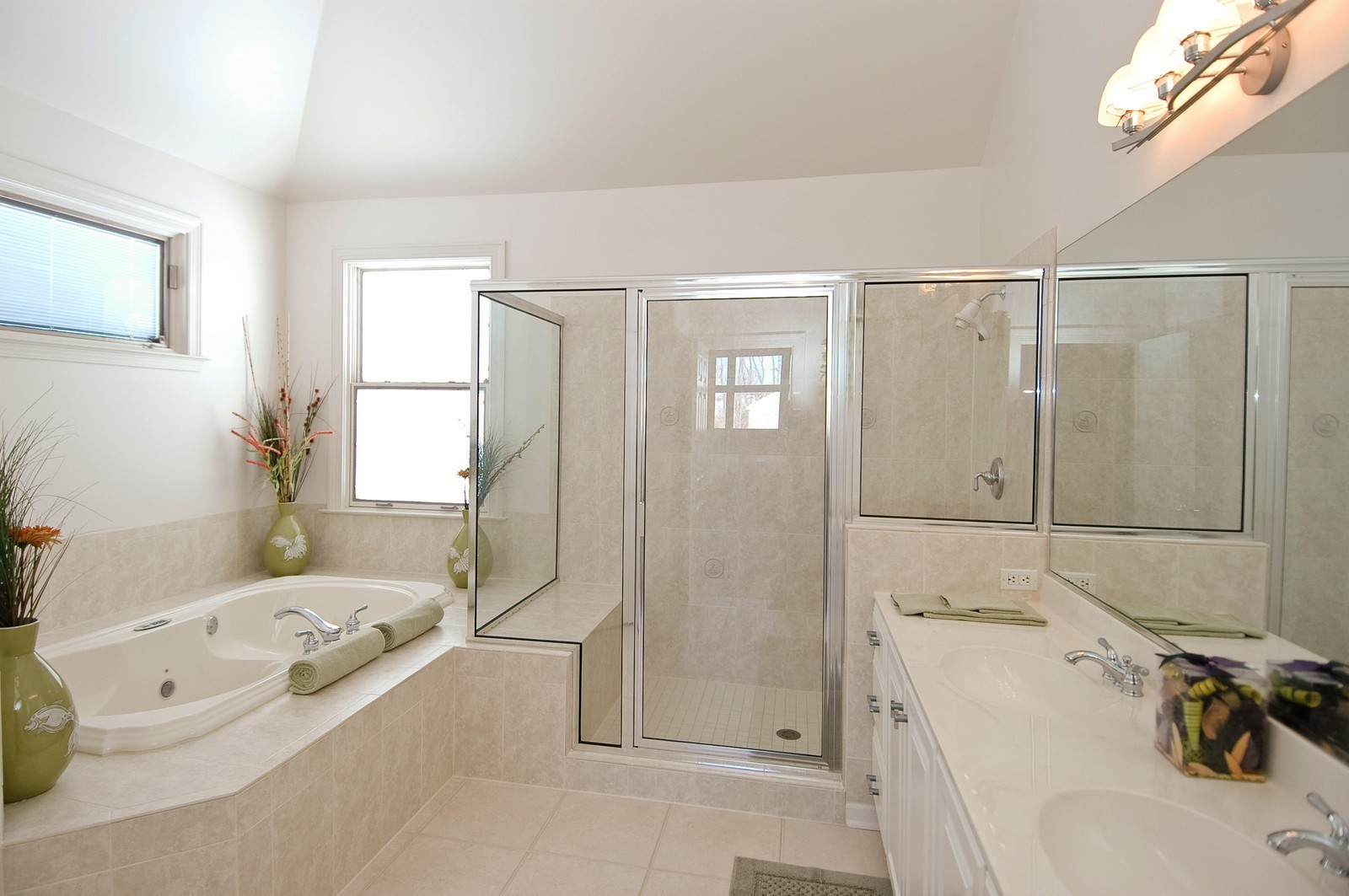 Real Estate Photography - 745 Ceresia, Crystal Lake, IL, 60014 - Bathroom