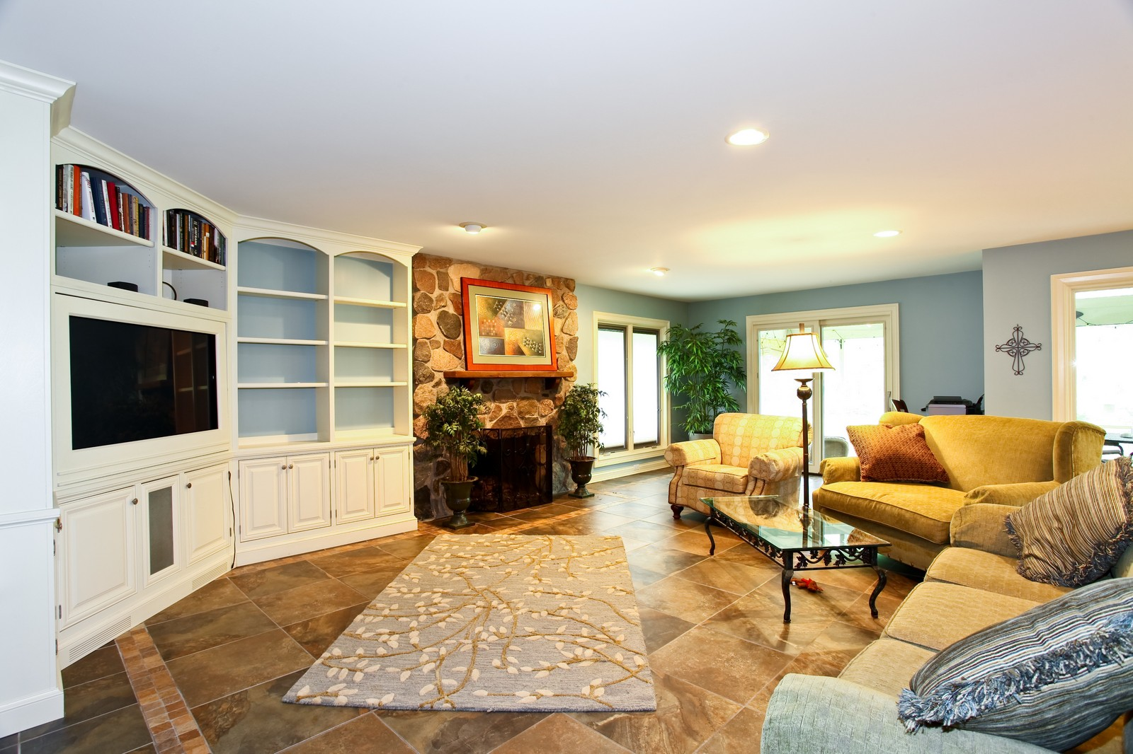 Real Estate Photography - 74 Highgate Ct, St. Charles, IL, 60174 - Family Room