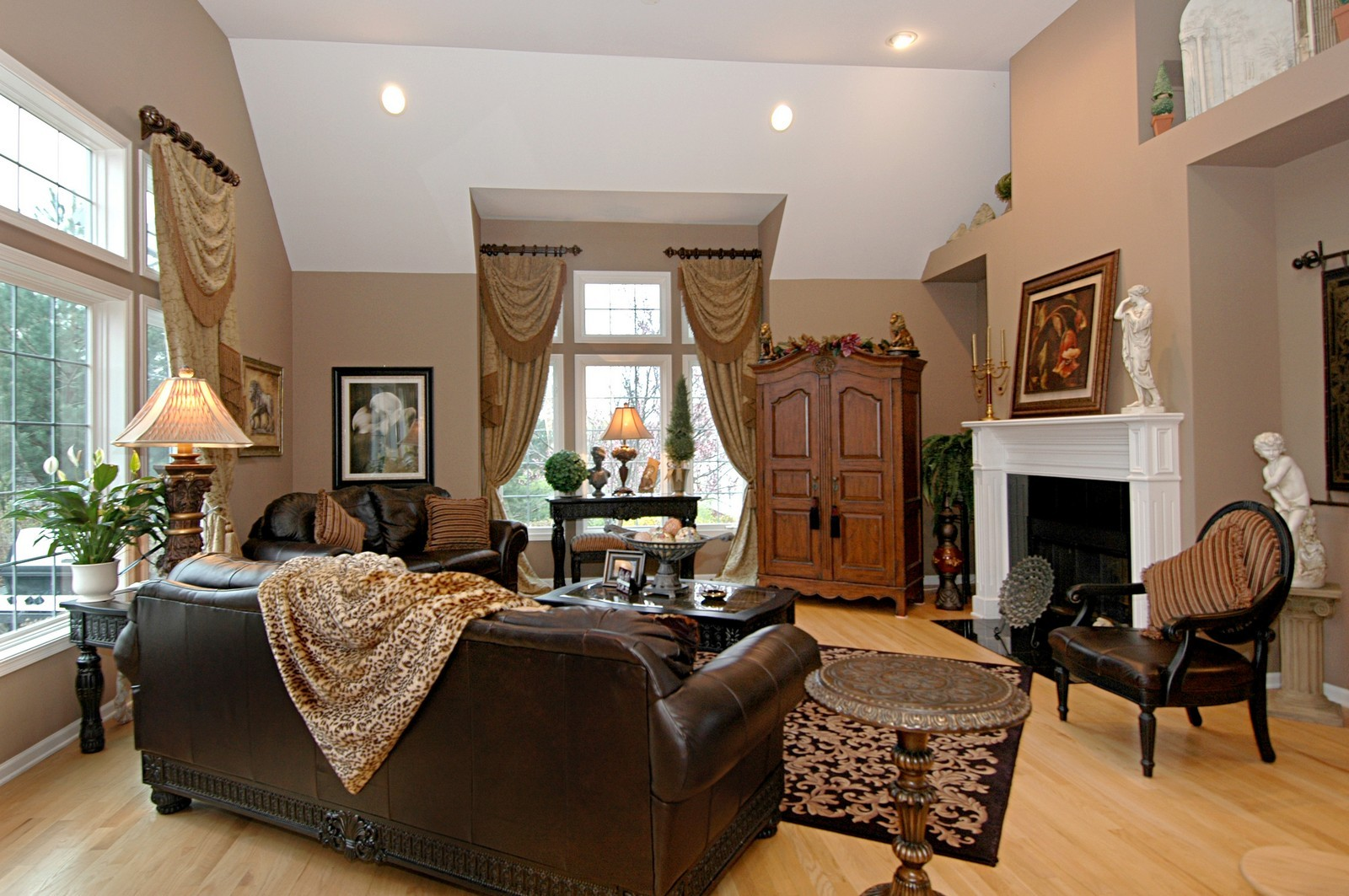Real Estate Photography - 18N066 Carriage Way, Huntley, IL, 60142 - Family Room