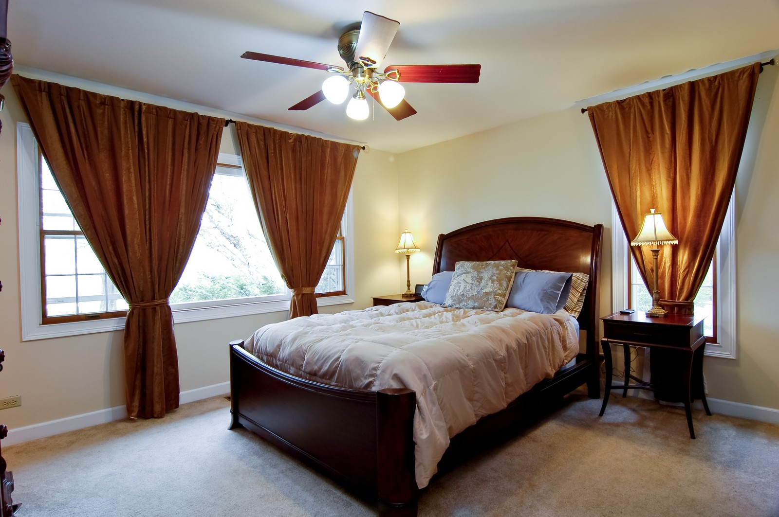 Real Estate Photography - 7N041 Silver Glen, St Charles, IL, 60175 - Master Bedroom