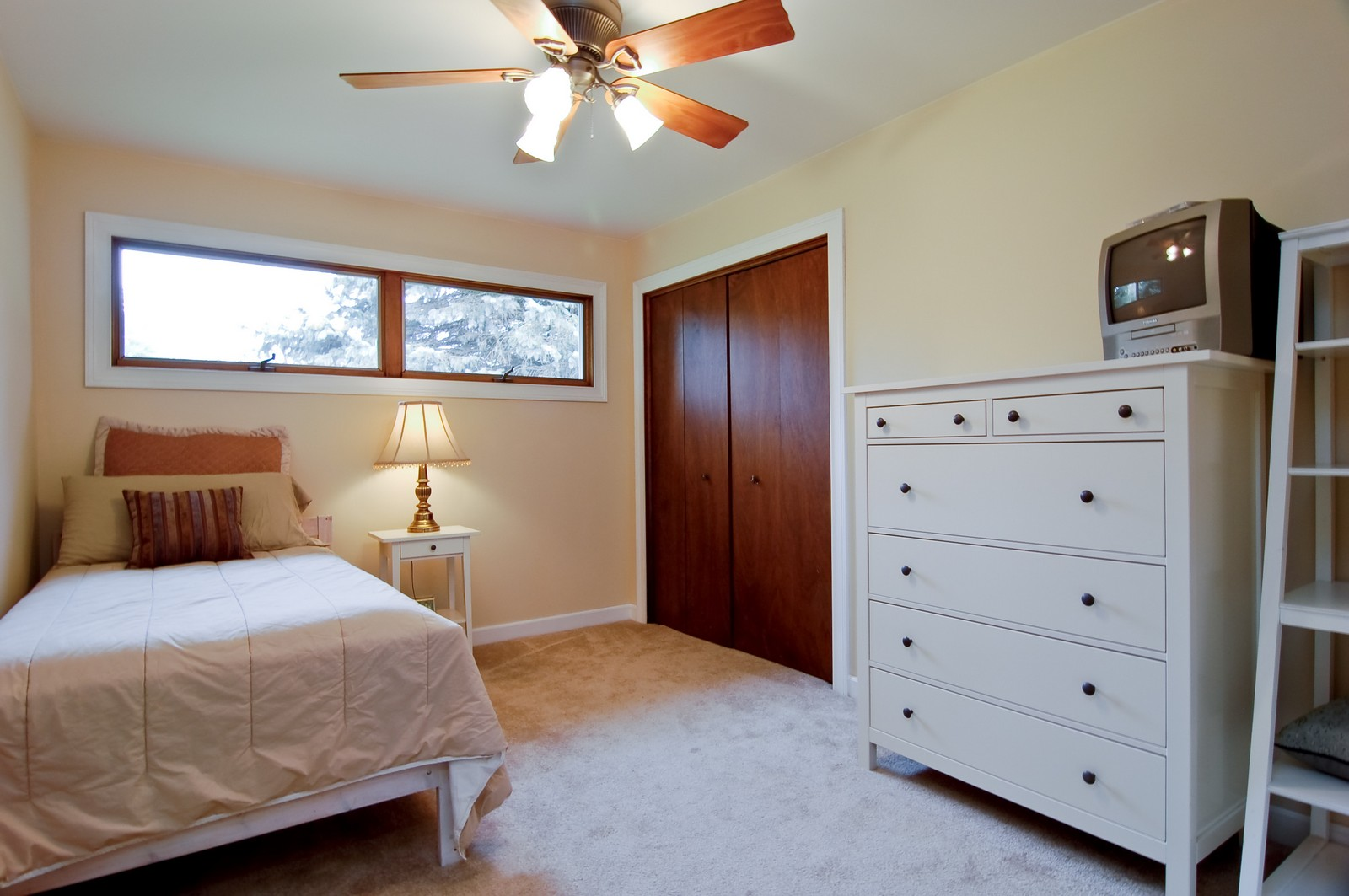 Real Estate Photography - 7N041 Silver Glen, St Charles, IL, 60175 - Guest Bedroom