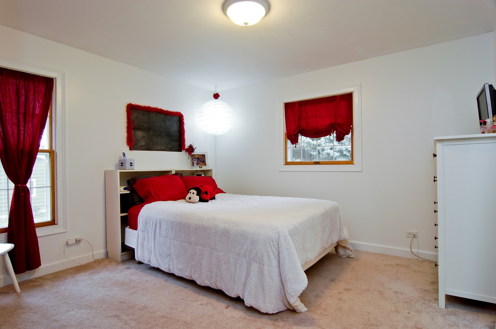 Real Estate Photography - 7N041 Silver Glen, St Charles, IL, 60175 - Second Bedroom