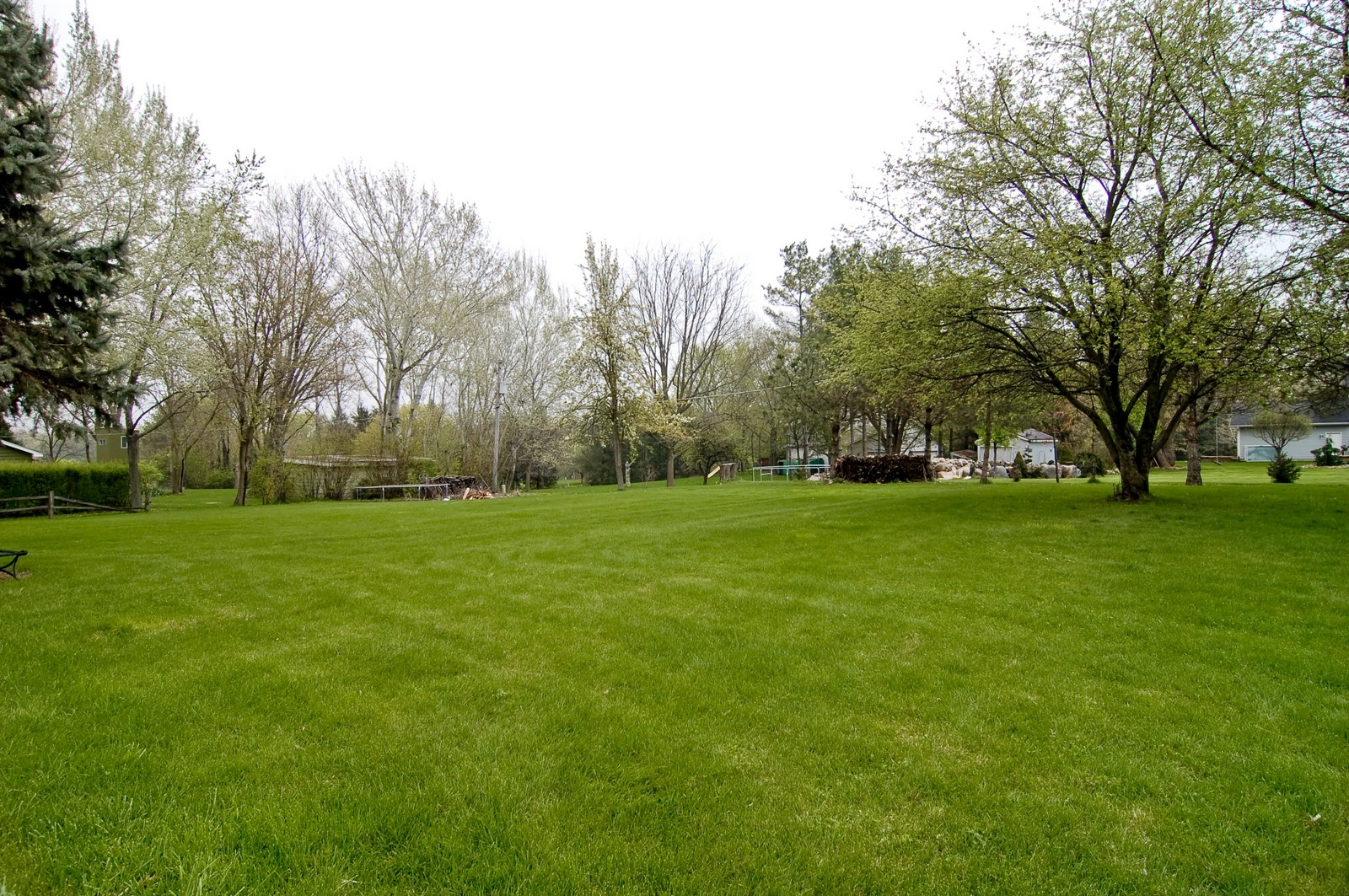 Real Estate Photography - 7N041 Silver Glen, St Charles, IL, 60175 - Back Yard