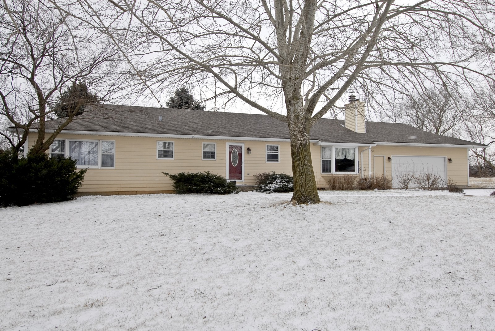 Real Estate Photography - 7N041 Silver Glen, St Charles, IL, 60175 - Front View