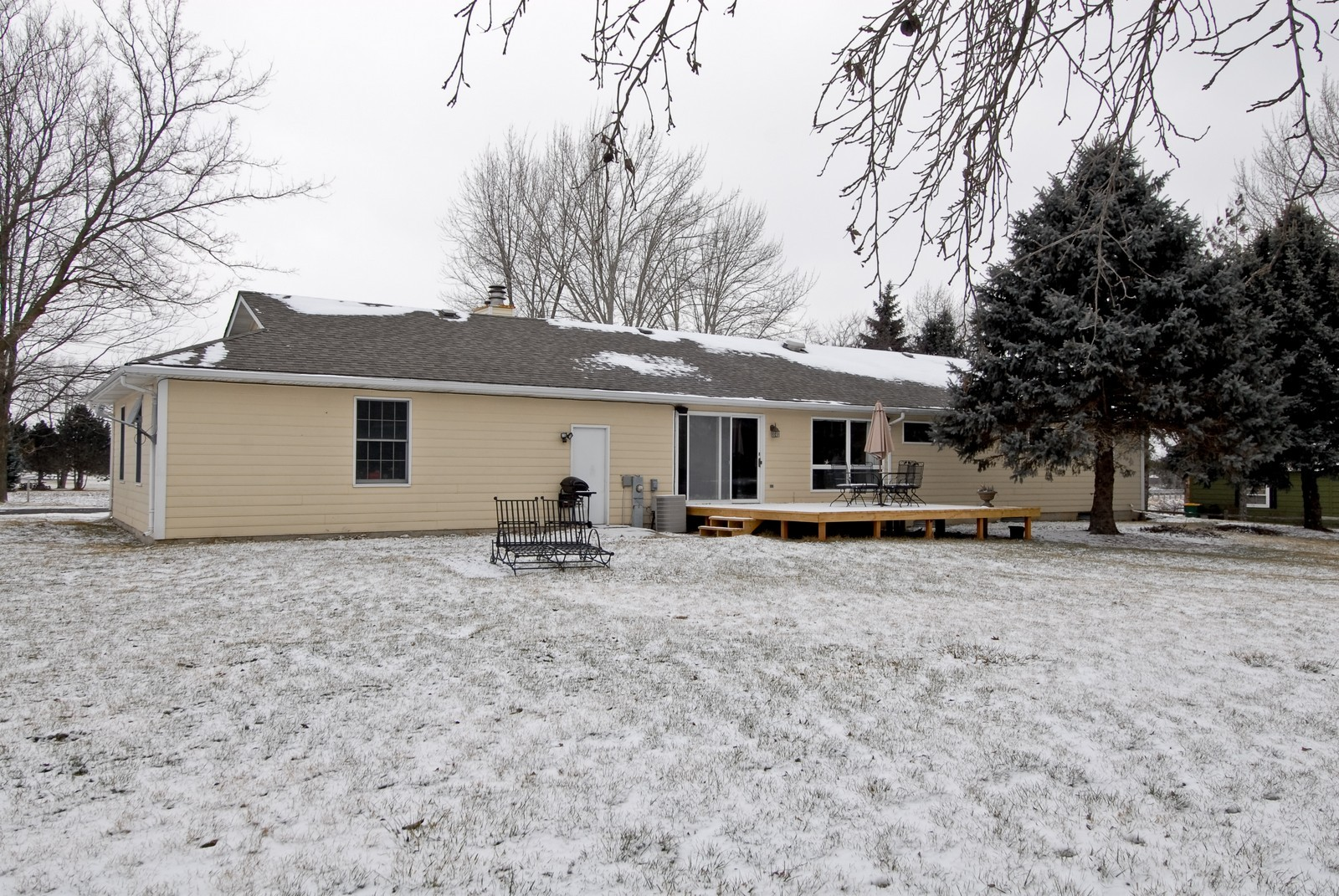 Real Estate Photography - 7N041 Silver Glen, St Charles, IL, 60175 - Rear View