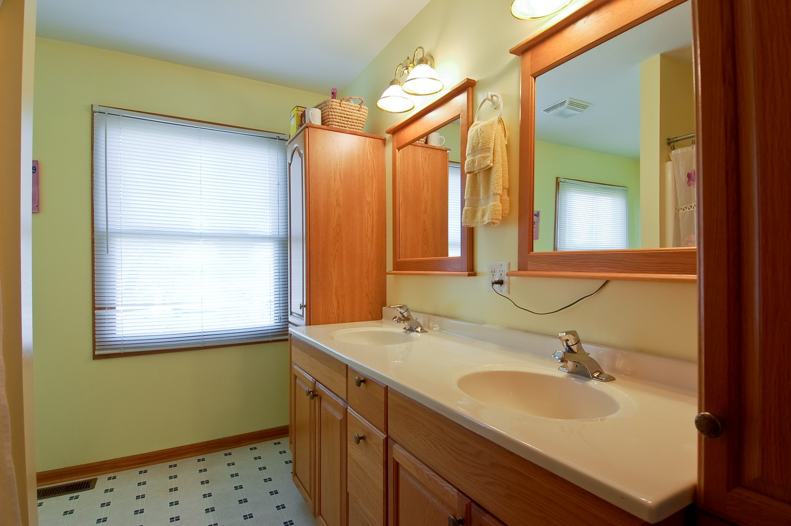 Real Estate Photography - 322 W Elian Ct, Maple Park, IL, 60151 - Master Bathroom