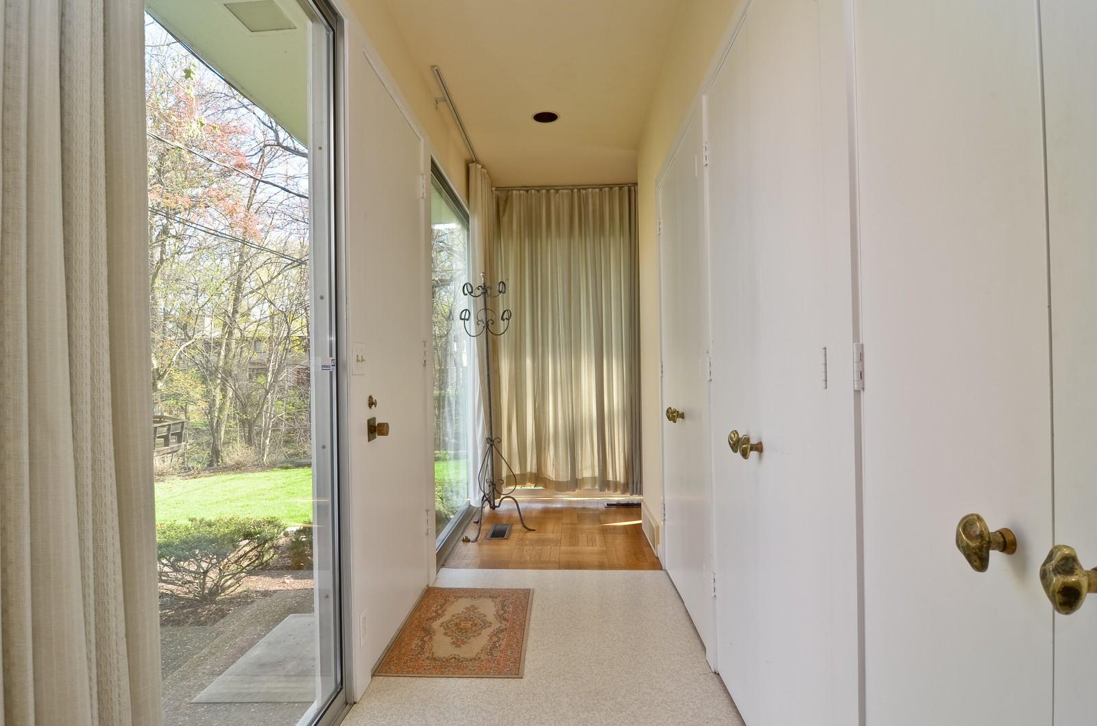 Real Estate Photography - 110 Crescent, Glencoe, IL, 60022 - Location 1