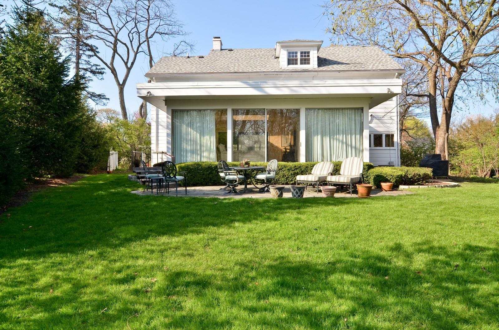 Real Estate Photography - 110 Crescent, Glencoe, IL, 60022 - Back Yard
