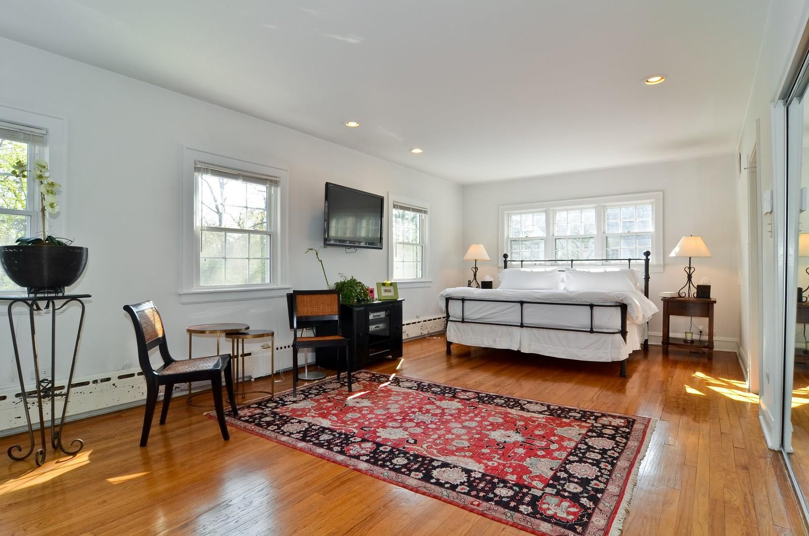 Real Estate Photography - 110 Crescent, Glencoe, IL, 60022 - Room