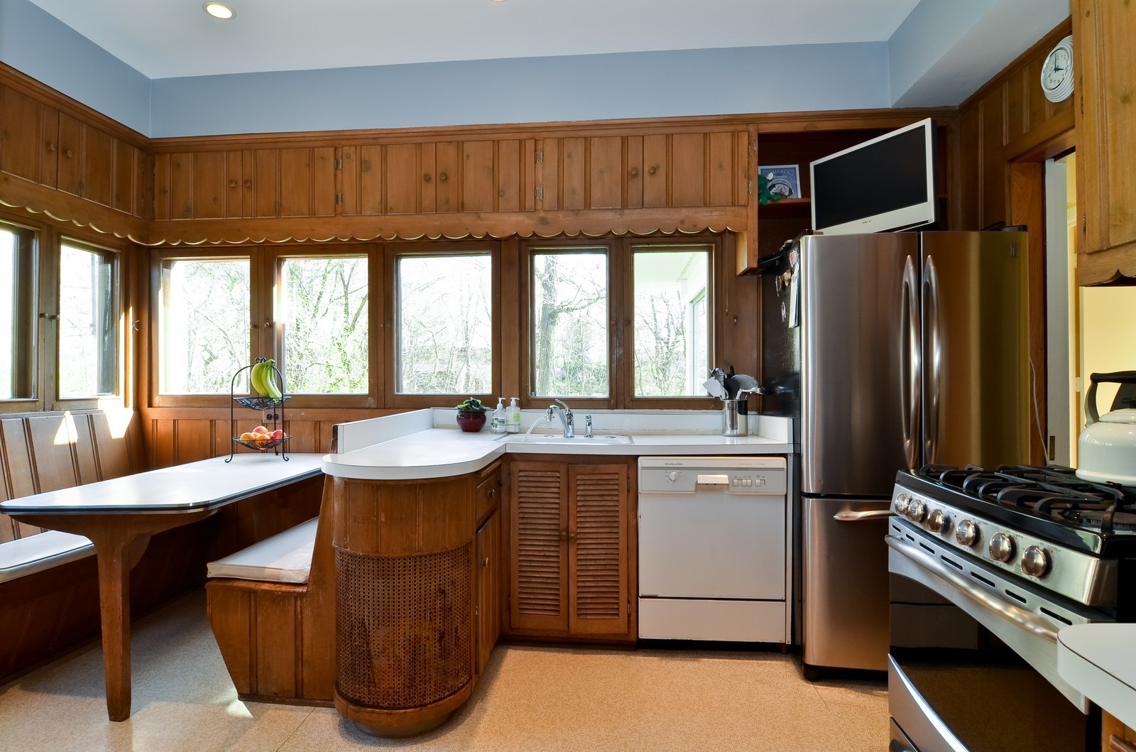 Real Estate Photography - 110 Crescent, Glencoe, IL, 60022 - Kitchen