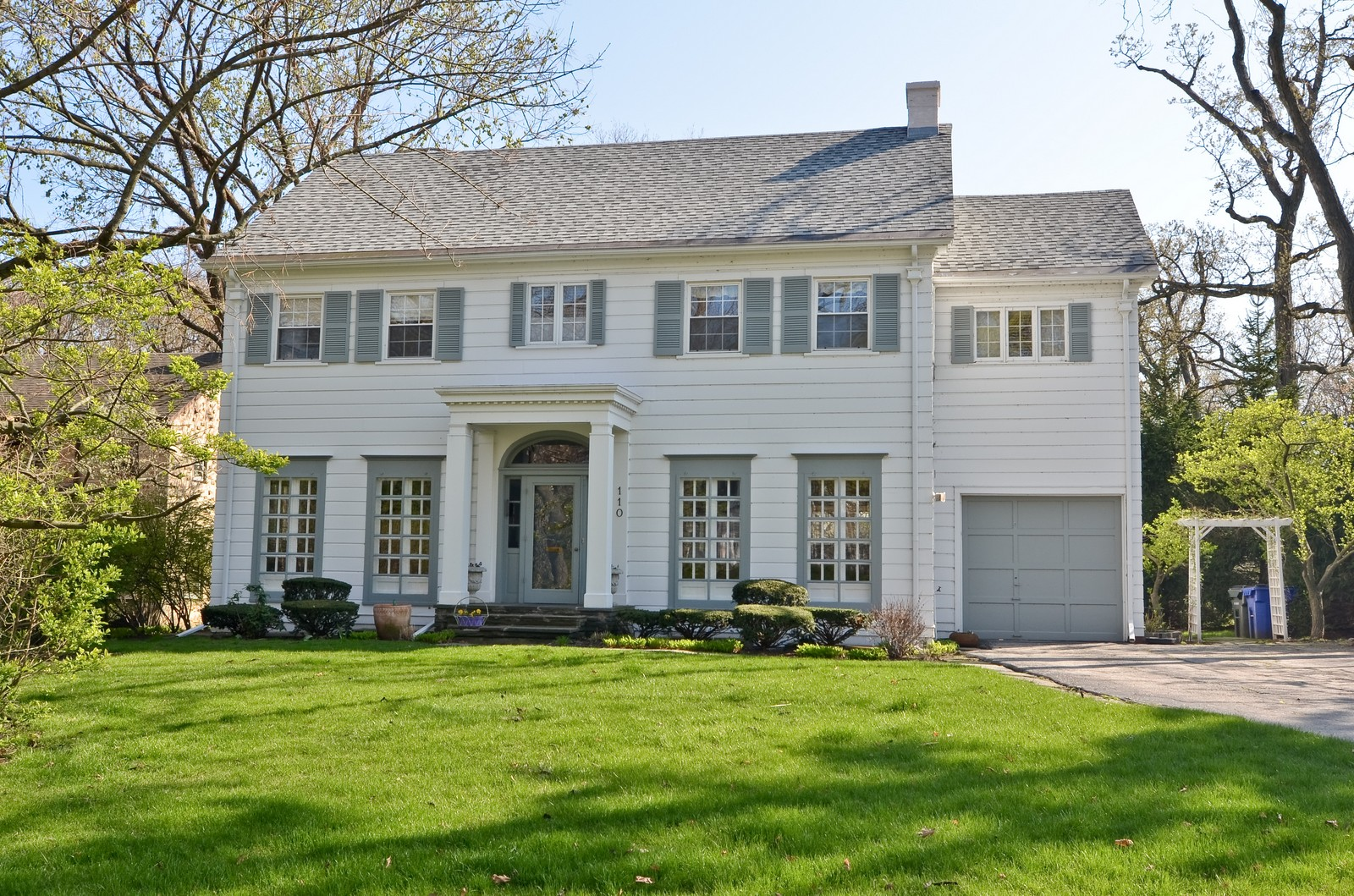 Real Estate Photography - 110 Crescent, Glencoe, IL, 60022 - Front View