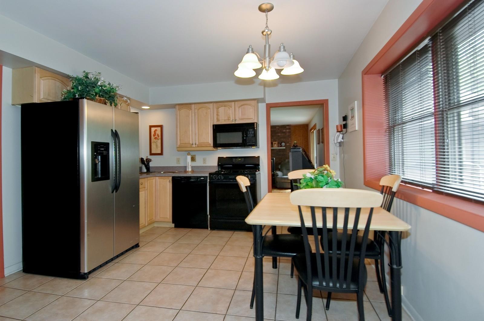 Real Estate Photography - 4409 Nancy, Crystal Lake, IL, 60014 - Kitchen