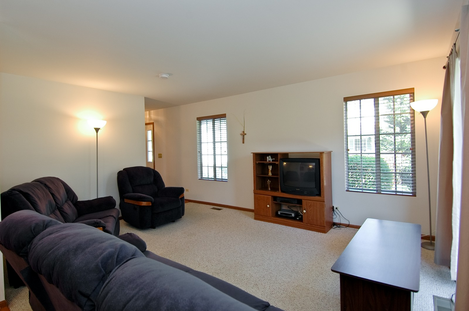 Real Estate Photography - 210 Village Creek, Lake in the Hills, IL, 60156 - Living Room