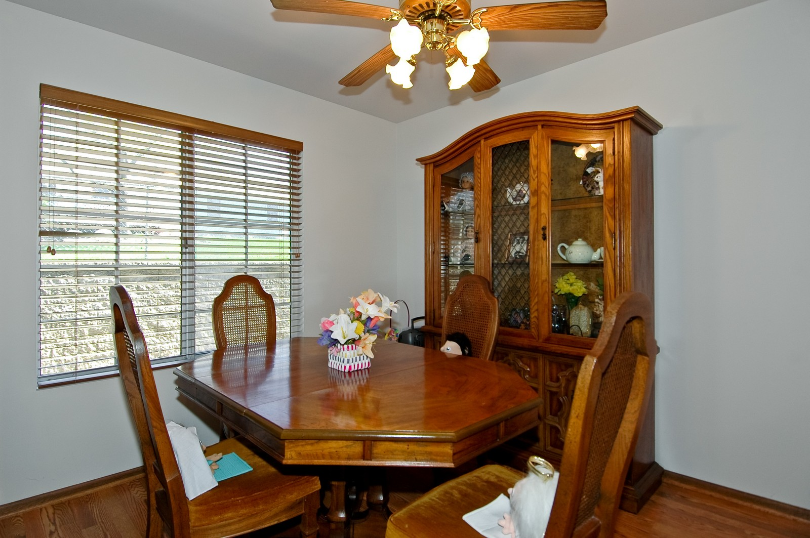 Real Estate Photography - 210 Village Creek, Lake in the Hills, IL, 60156 - Dining Room