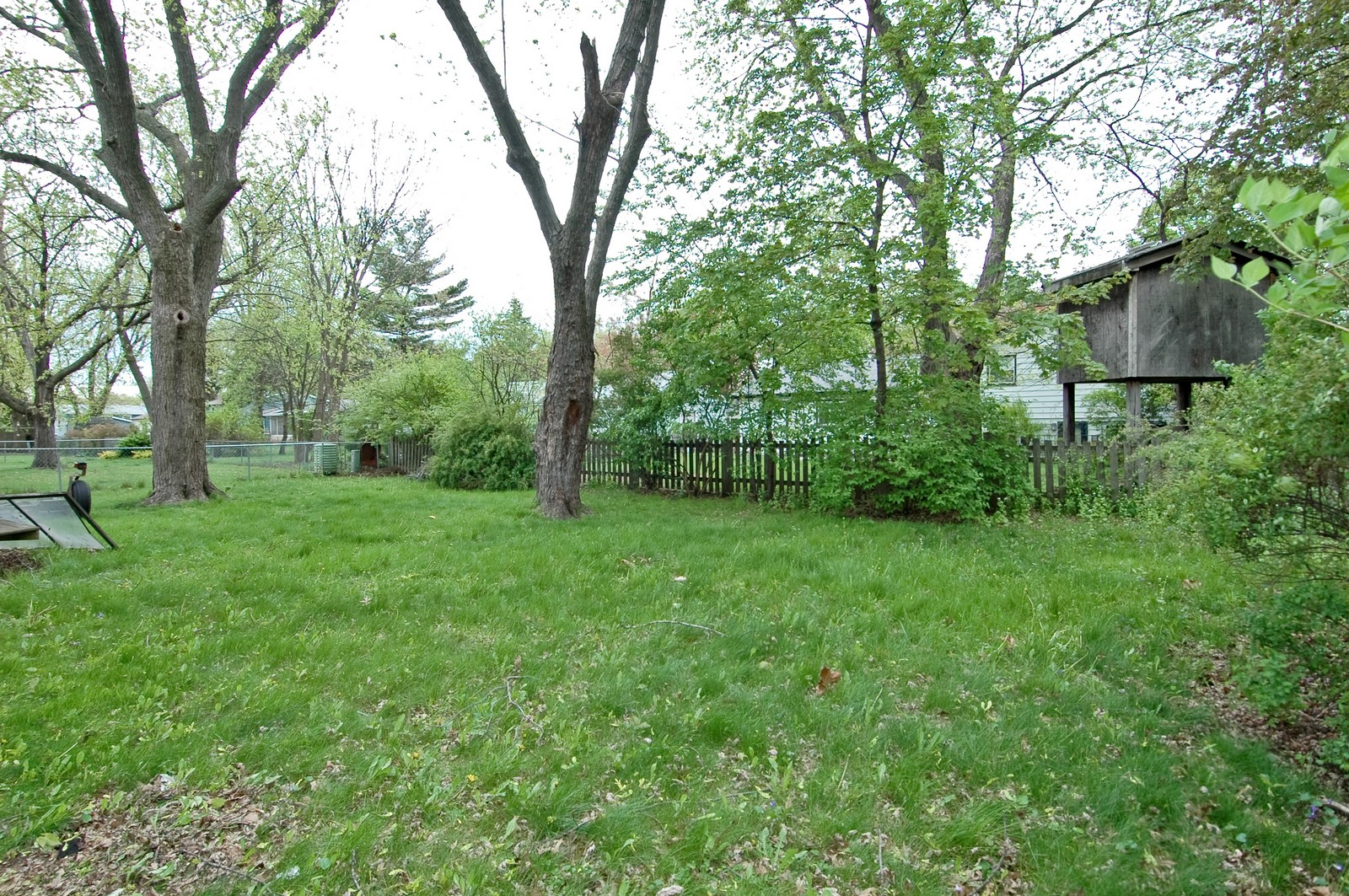 Real Estate Photography - 670 Coventry, Crystal Lake, IL, 60014 - Back Yard