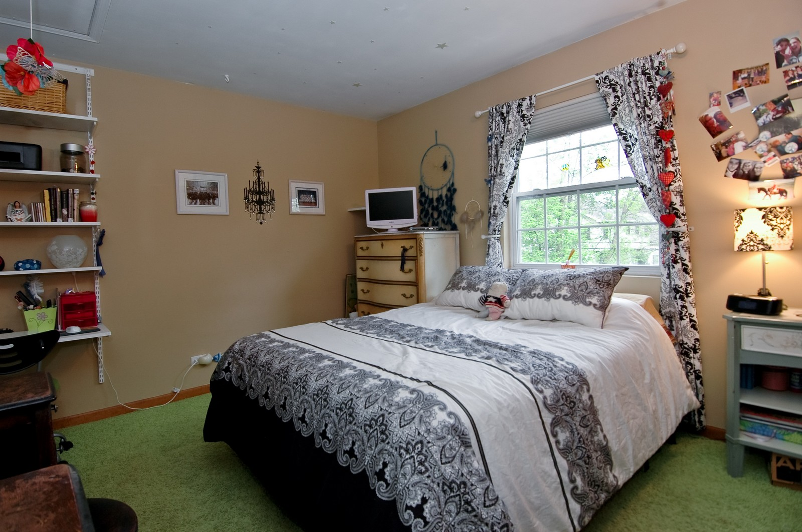 Real Estate Photography - 10315 Wilmette, Algonquin, IL, 60102 - Bedroom