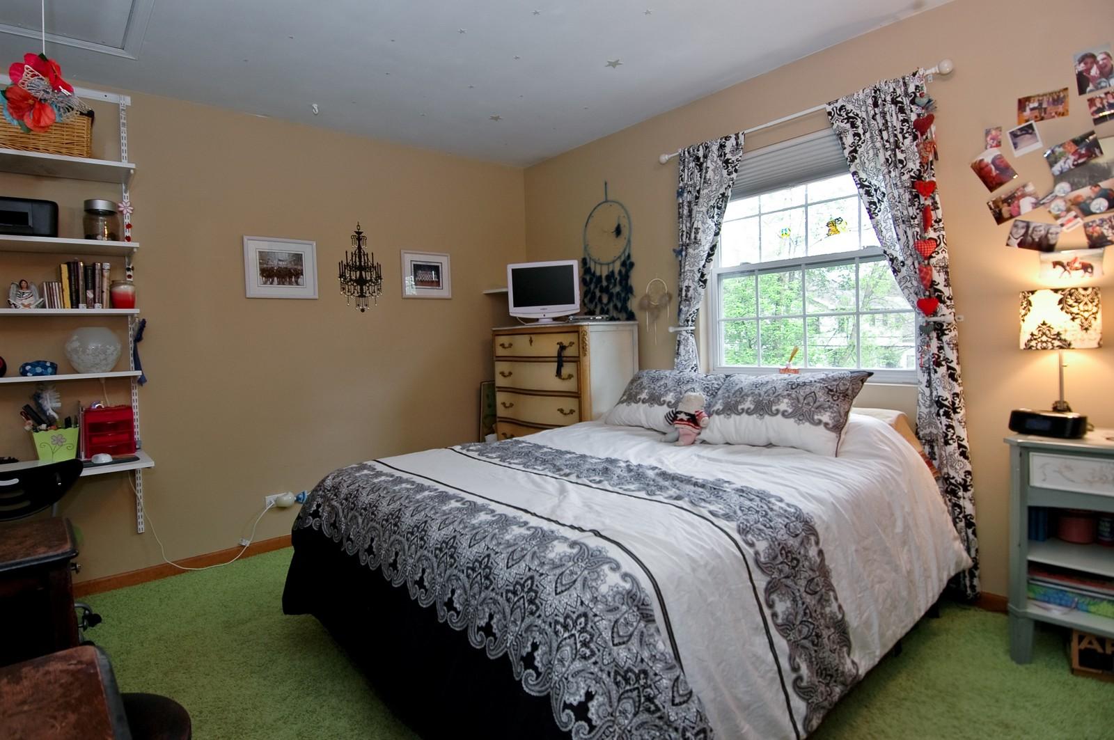 Real Estate Photography - 10315 Wilmette, Algonquin, IL, 60102 - Bedroom