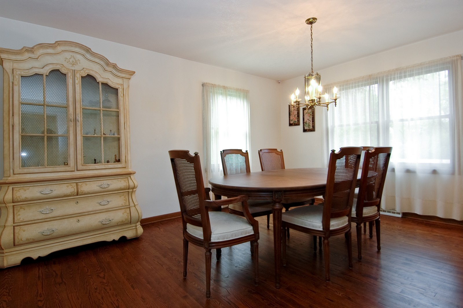 Real Estate Photography - 240 Steeplechase, Barrington Hills, IL, 60010 - Dining Room