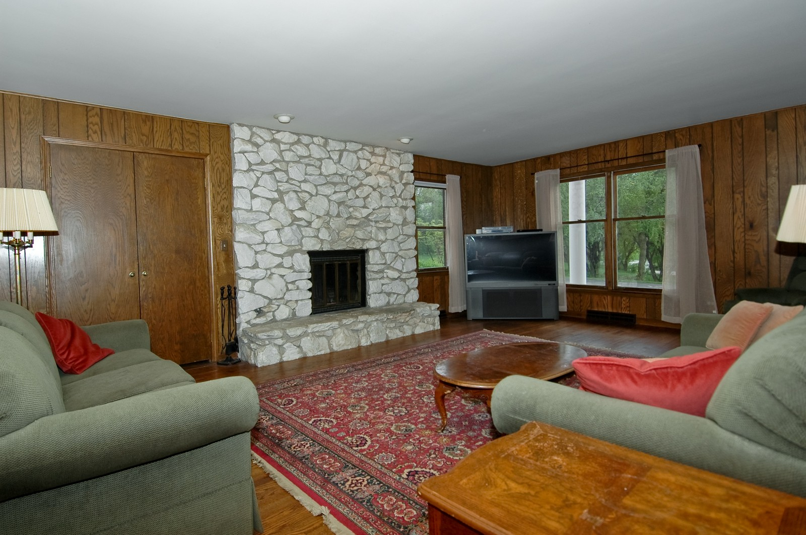 Real Estate Photography - 240 Steeplechase, Barrington Hills, IL, 60010 - Family Room