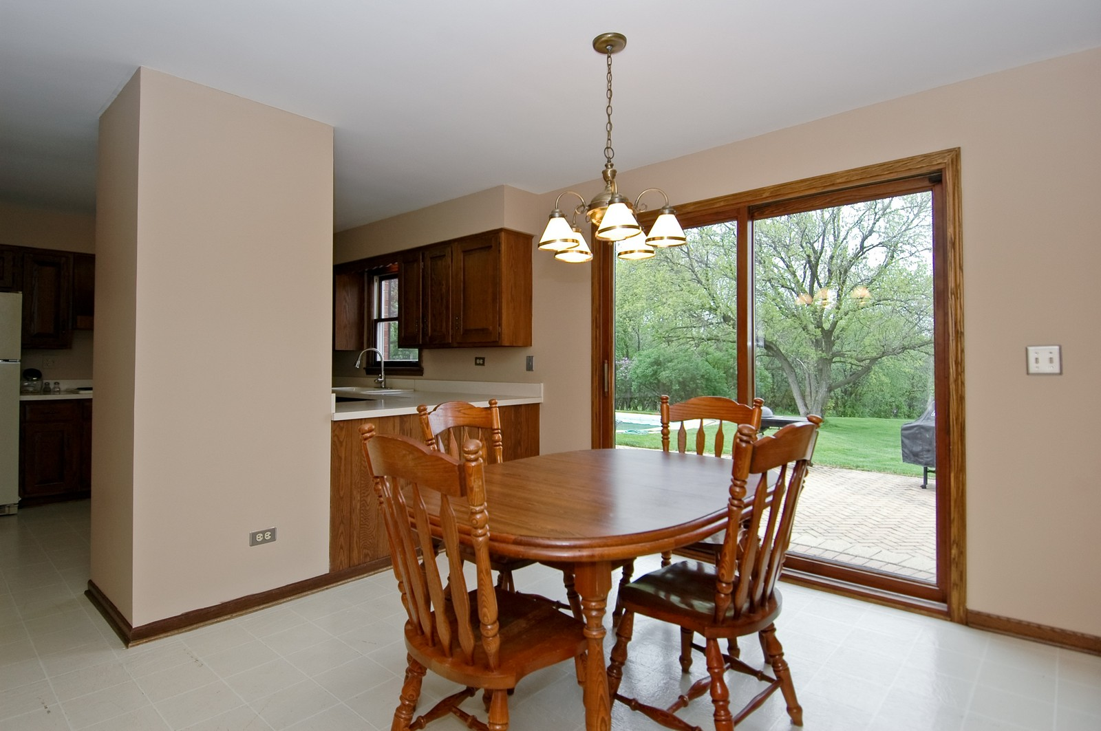 Real Estate Photography - 240 Steeplechase, Barrington Hills, IL, 60010 - Dining Area