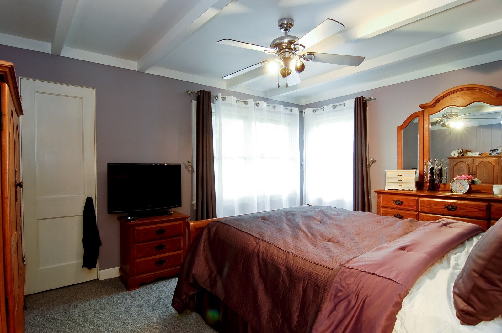 Real Estate Photography - 1040 S Columbine St, Lombard, IL, 60148 - Master Bedroom