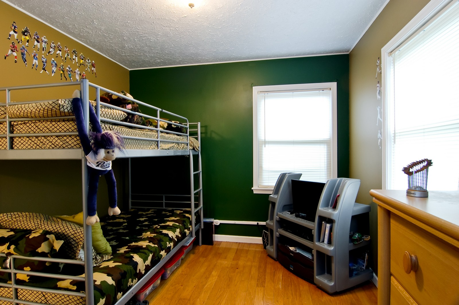 Real Estate Photography - 1040 S Columbine St, Lombard, IL, 60148 - Bedroom