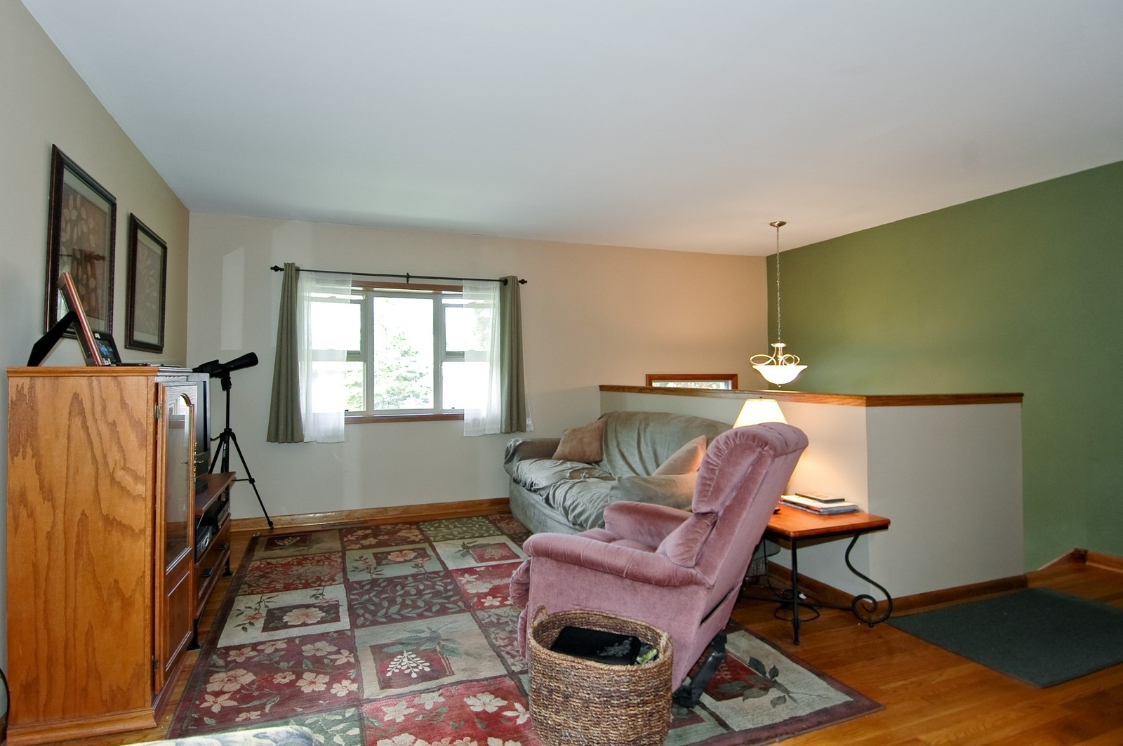 Real Estate Photography - 407 W Greenwood, Woodstock, IL, 60098 - Living Room