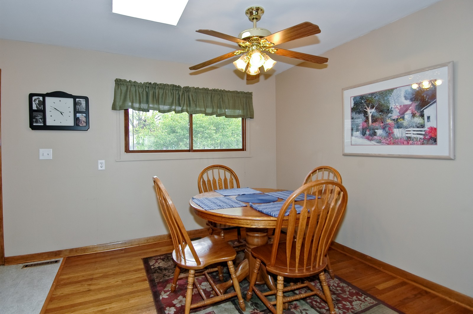 Real Estate Photography - 407 W Greenwood, Woodstock, IL, 60098 - Dining Room