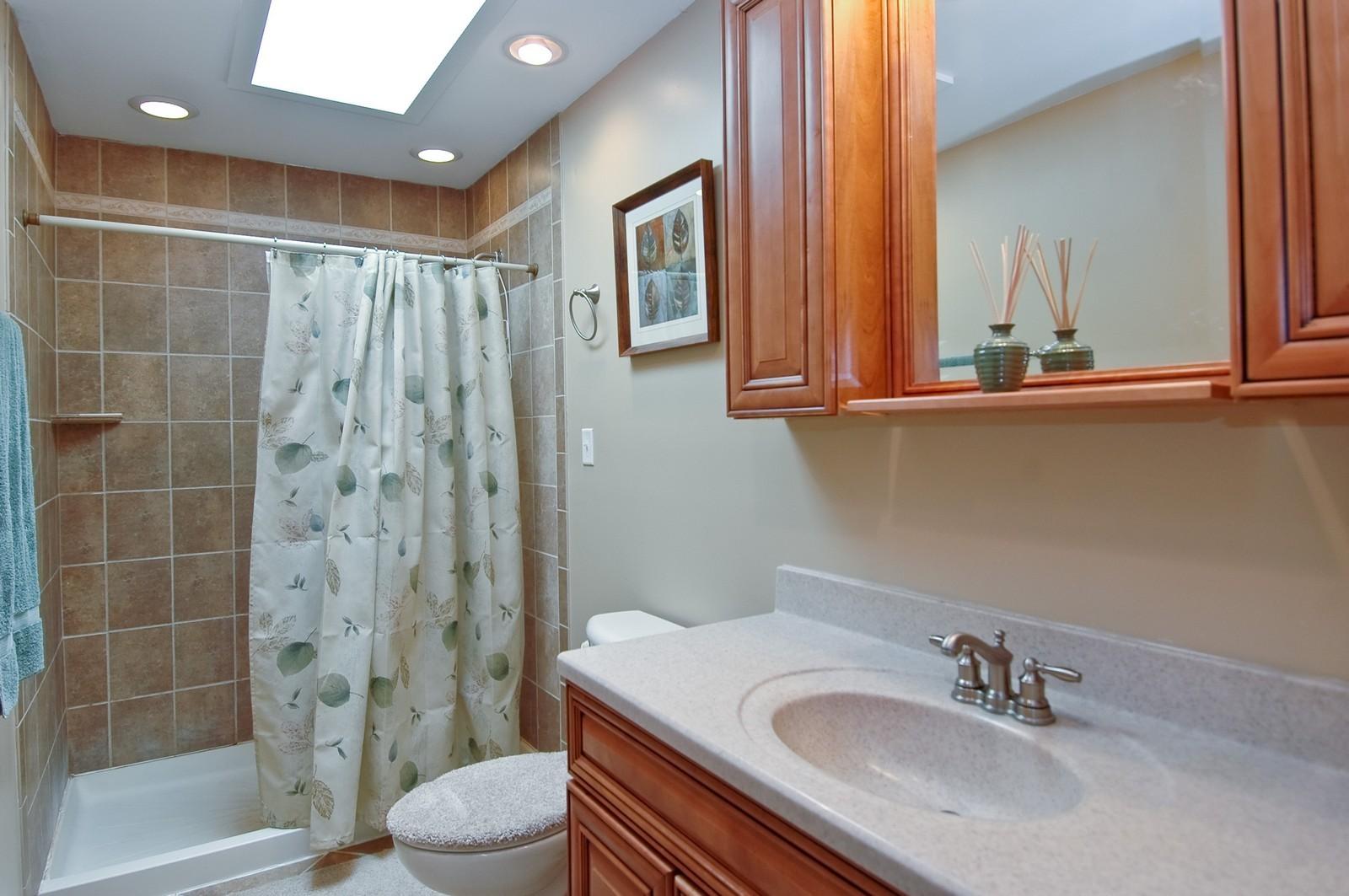 Real Estate Photography - 407 W Greenwood, Woodstock, IL, 60098 - Bathroom