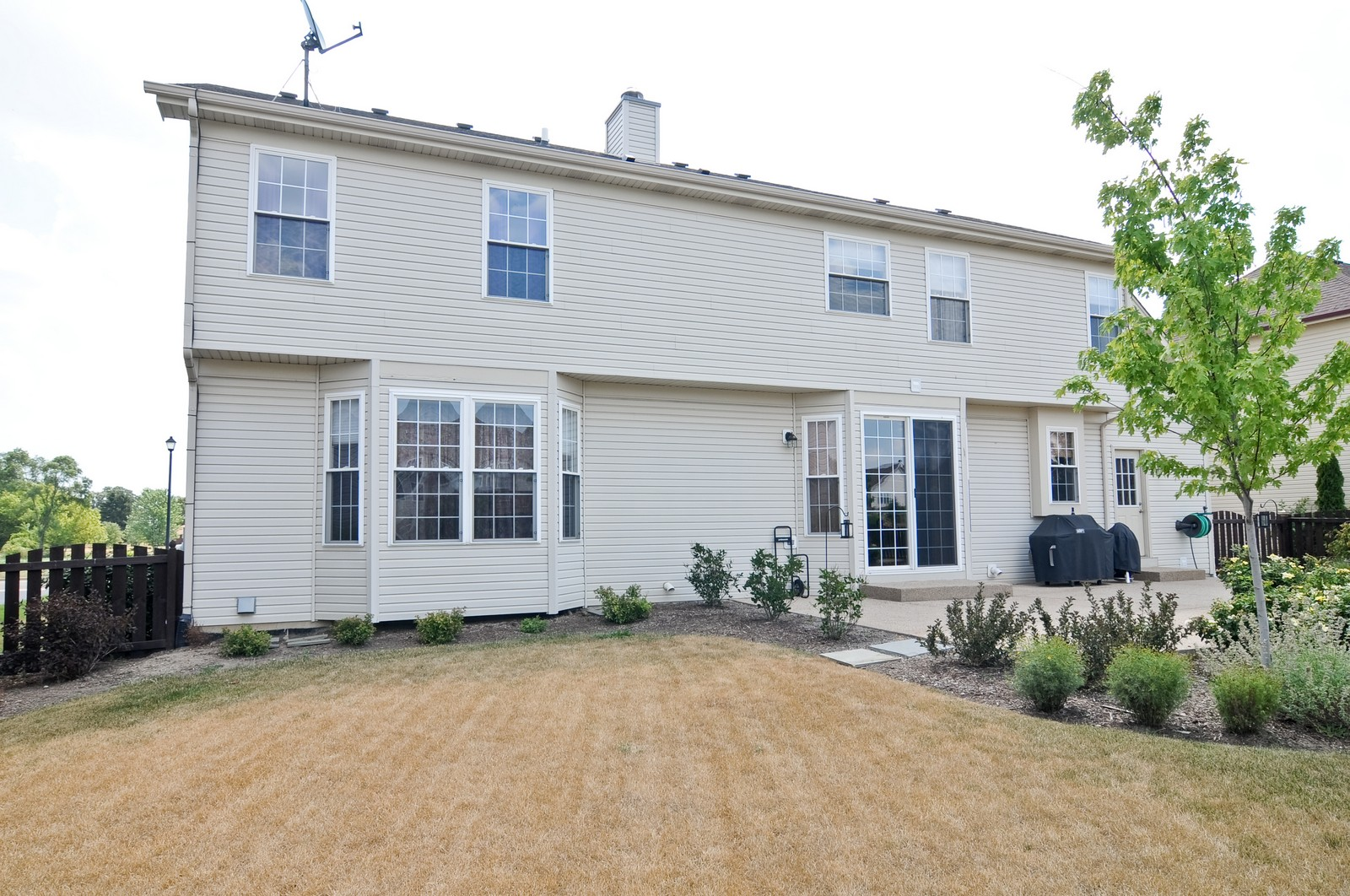 Real Estate Photography - 324 Fossland, Winthrop Harbor, IL, 60096 - Location 1