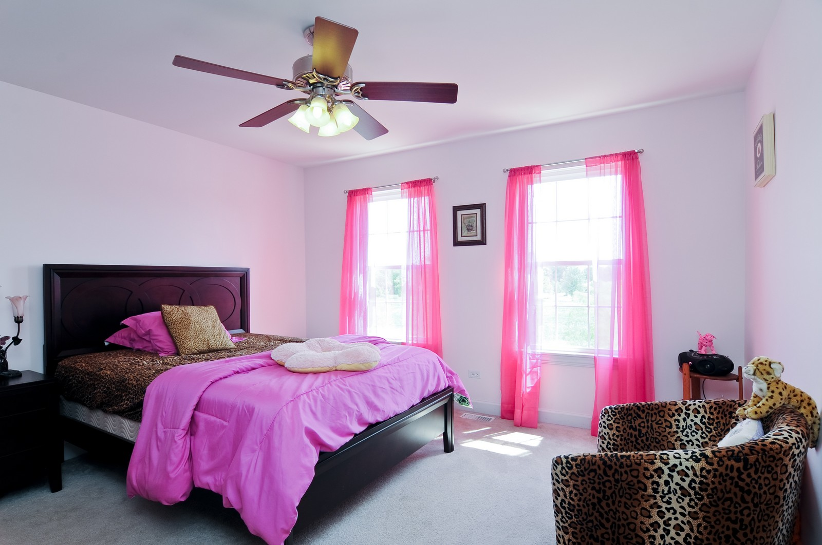 Real Estate Photography - 324 Fossland, Winthrop Harbor, IL, 60096 - 4th Bathroom