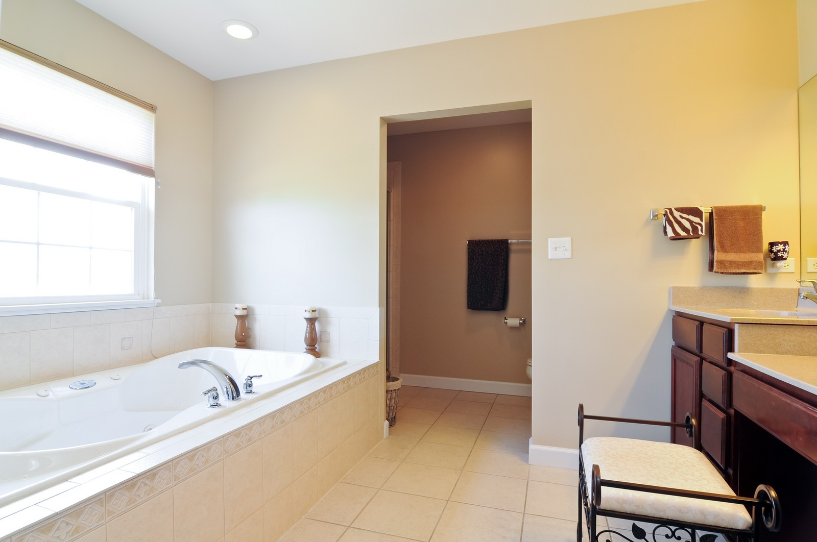 Real Estate Photography - 324 Fossland, Winthrop Harbor, IL, 60096 - 2nd Bedroom