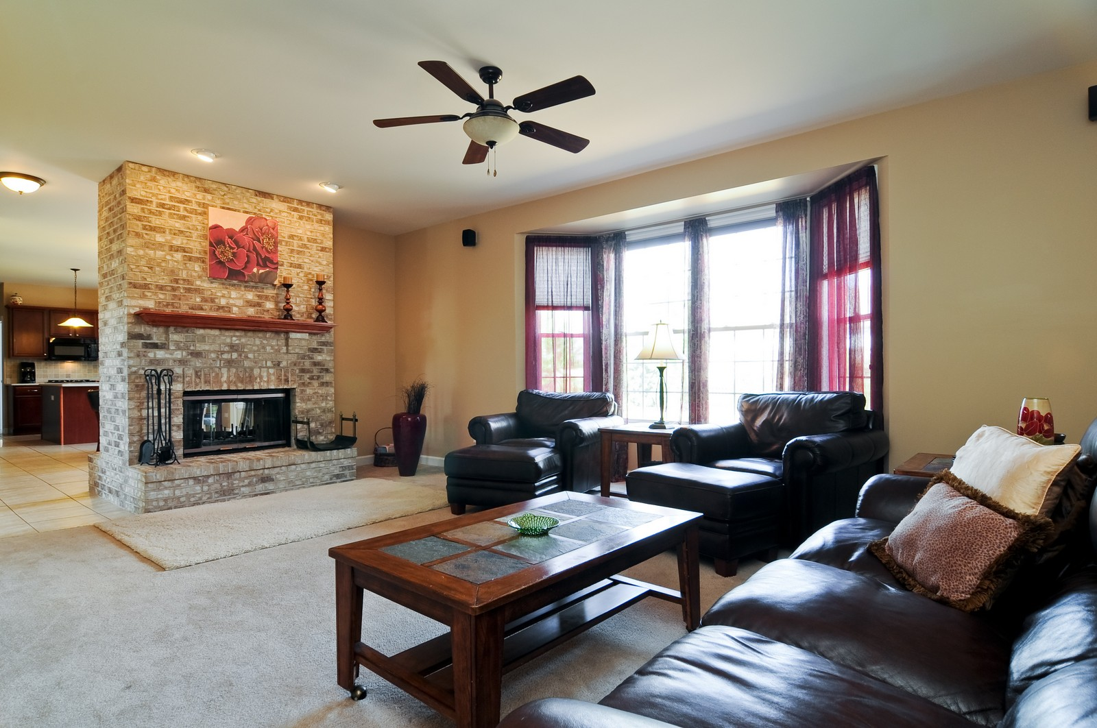 Real Estate Photography - 324 Fossland, Winthrop Harbor, IL, 60096 - Family Room