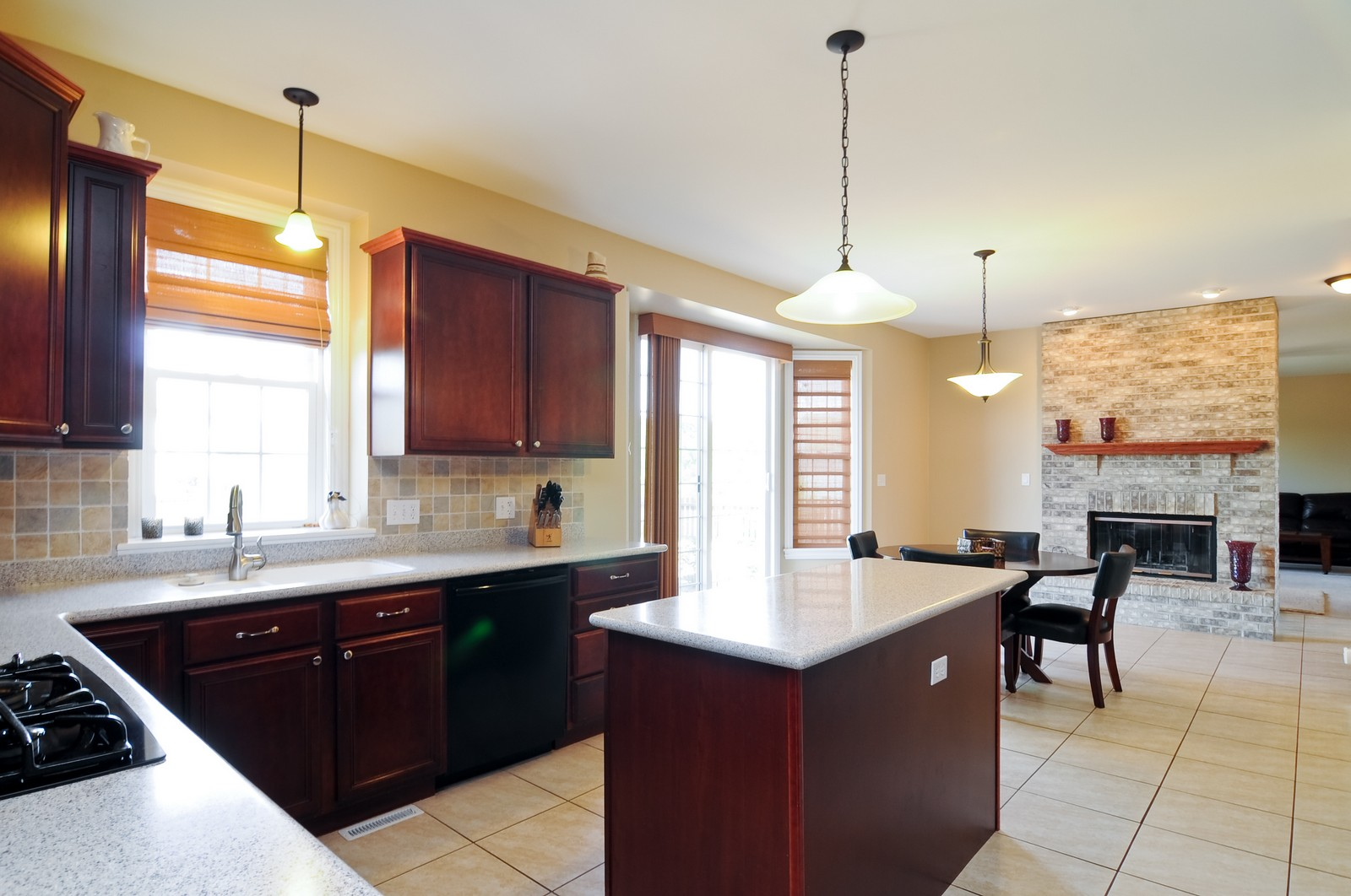 Real Estate Photography - 324 Fossland, Winthrop Harbor, IL, 60096 - Kitchen