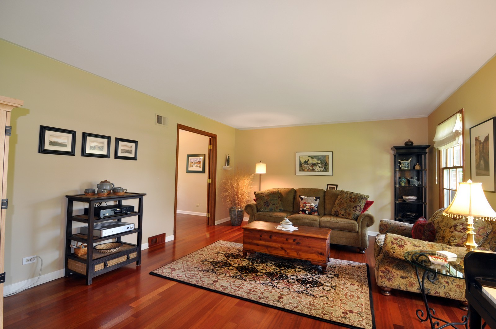 Real Estate Photography - 1523 Allen, St Charles, IL, 60174 - Living Room
