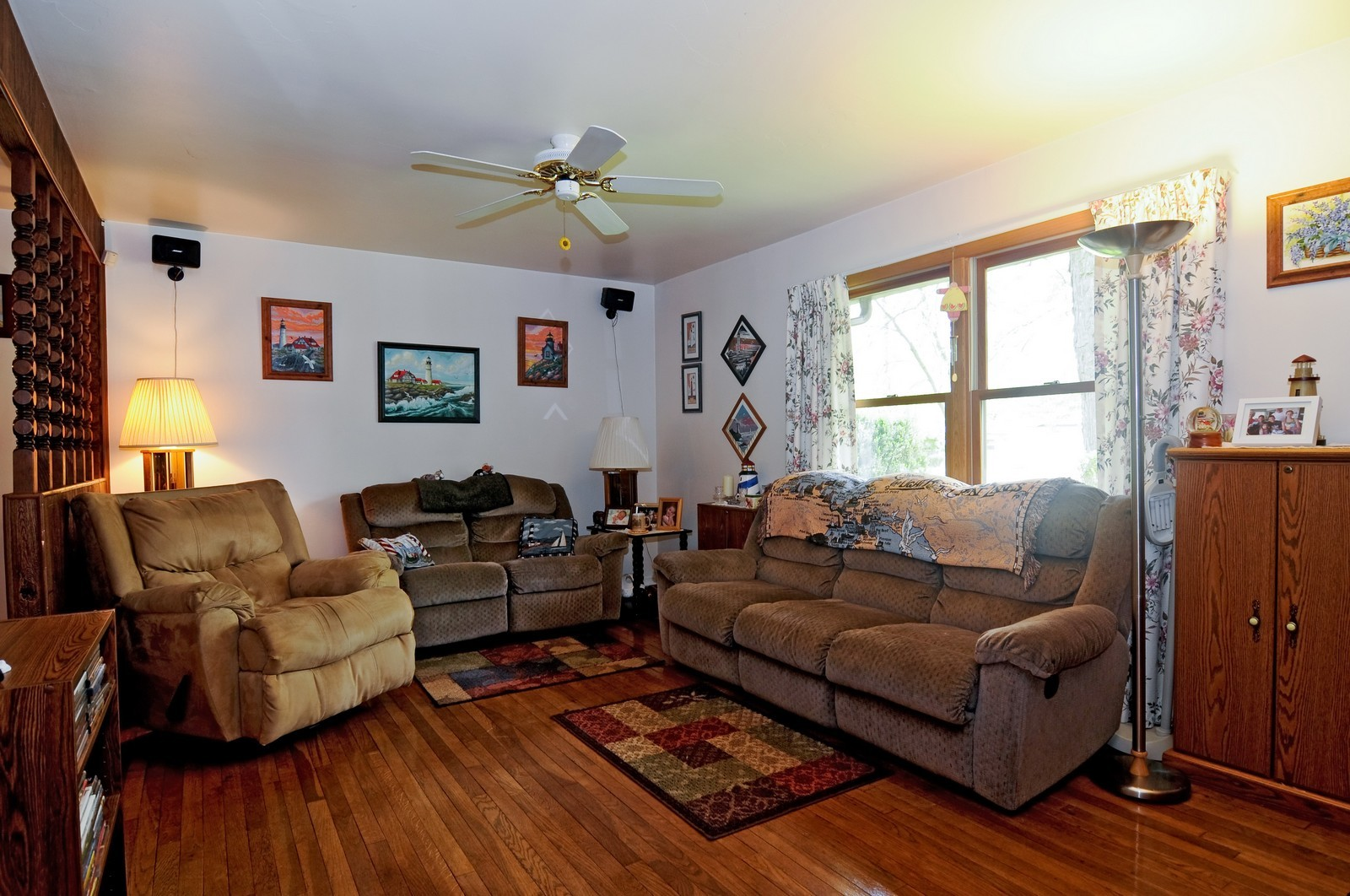 Real Estate Photography - 2125 222nd, Sauk Village, IL, 60411 - Living Room