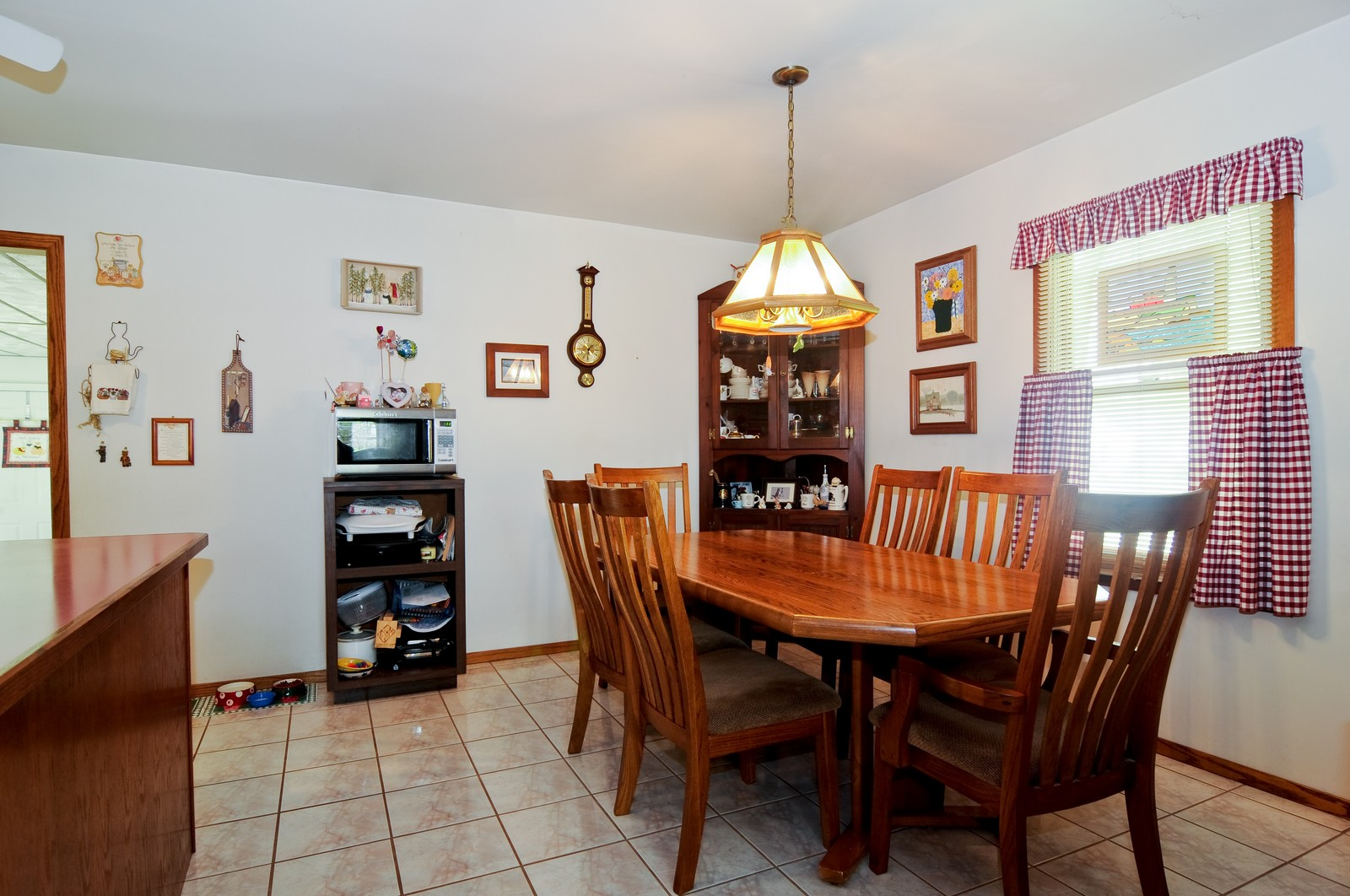 Real Estate Photography - 2125 222nd, Sauk Village, IL, 60411 - Dining Room