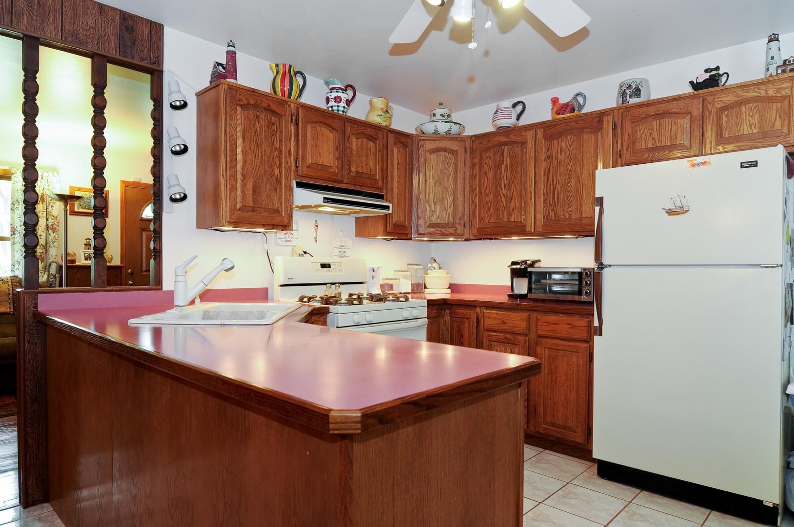 Real Estate Photography - 2125 222nd, Sauk Village, IL, 60411 - Kitchen