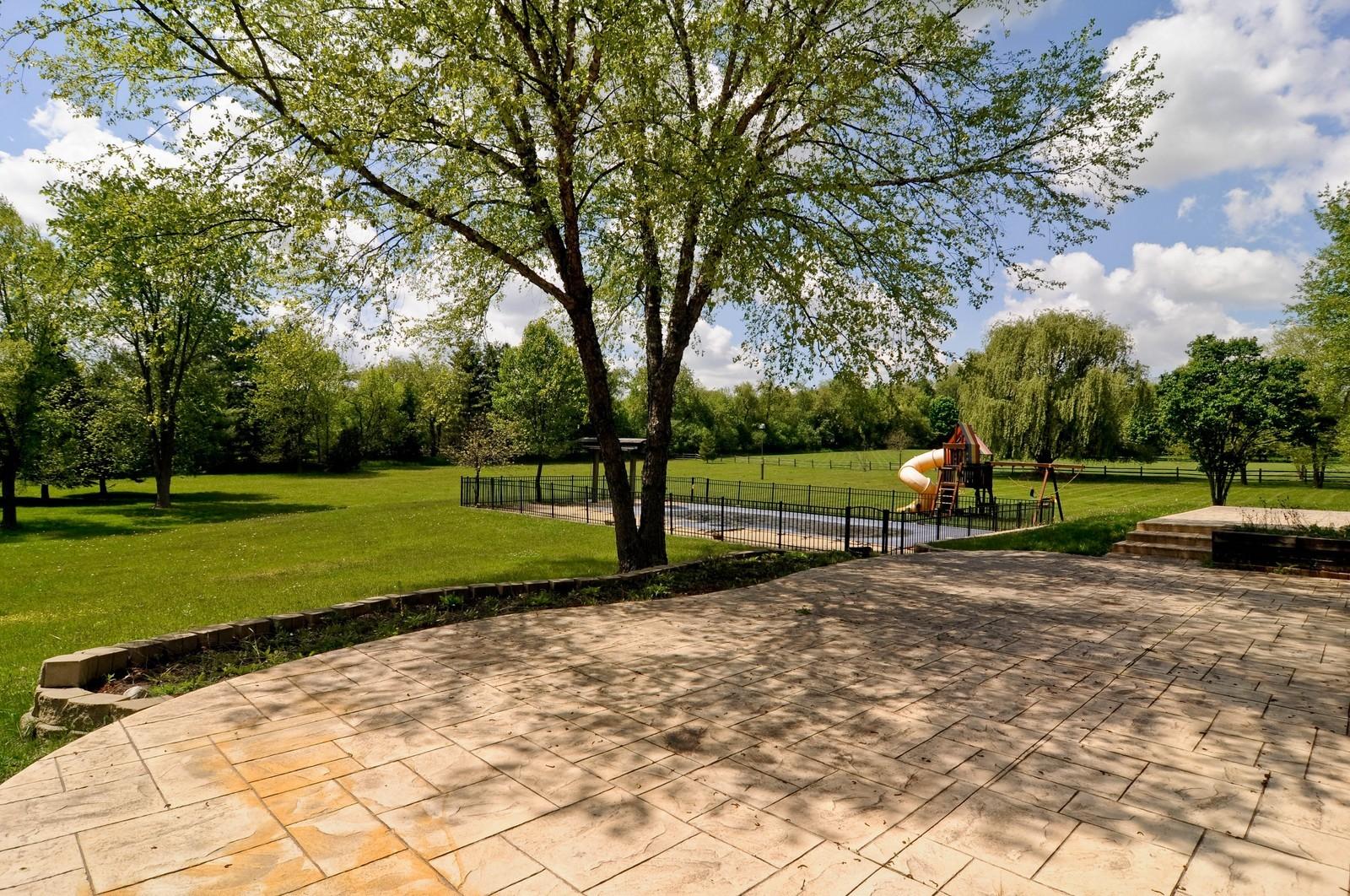 Real Estate Photography - 11 Ridgecroft, Barrington, IL, 60010 - Patio