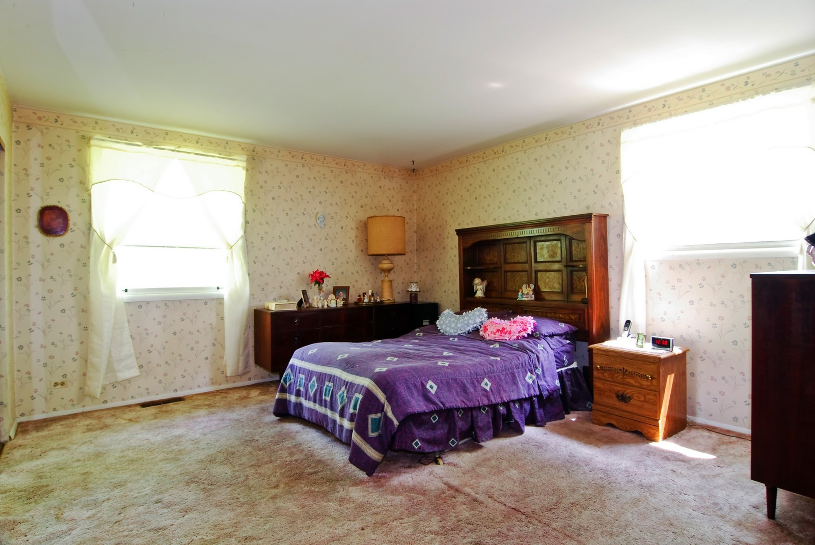 Real Estate Photography - 373 Sioux, Carol Stream, IL, 60188 - Master Bedroom