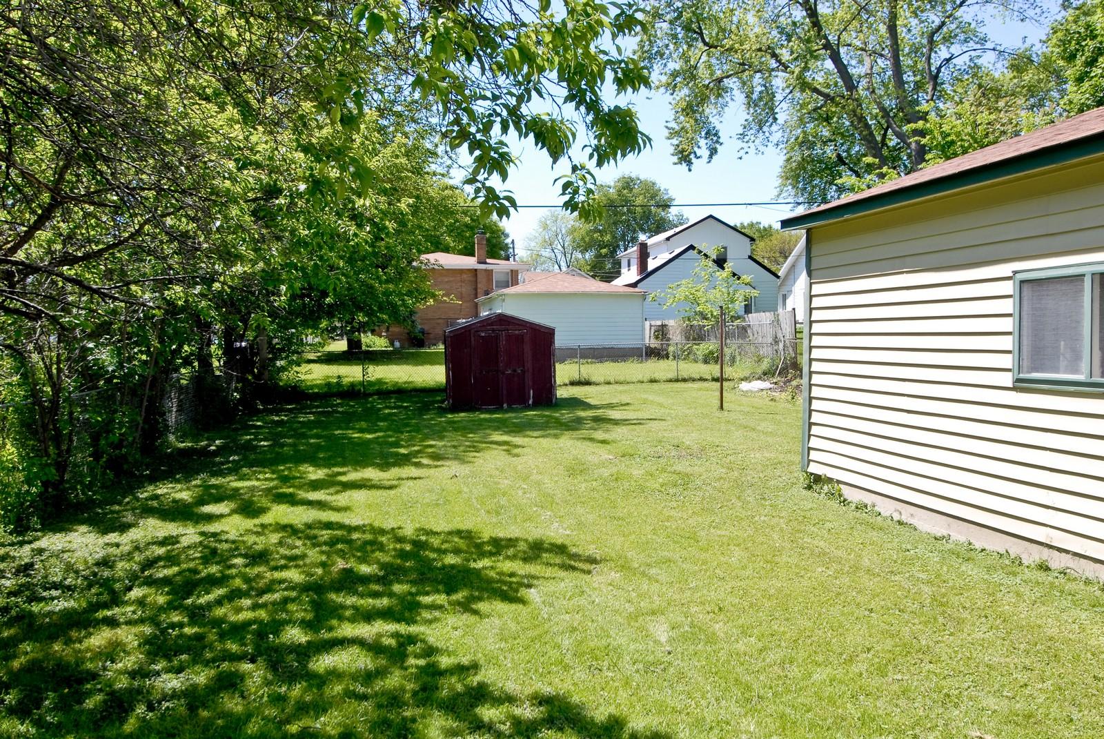 Real Estate Photography - 730 Hammond, Aurora, IL, 60506 - Back Yard