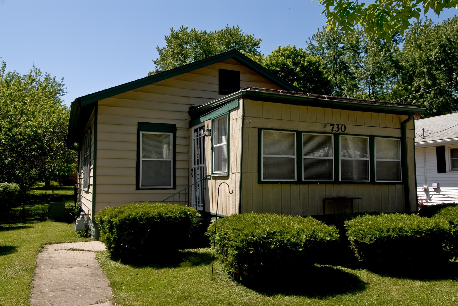 Real Estate Photography - 730 Hammond, Aurora, IL, 60506 - Front View