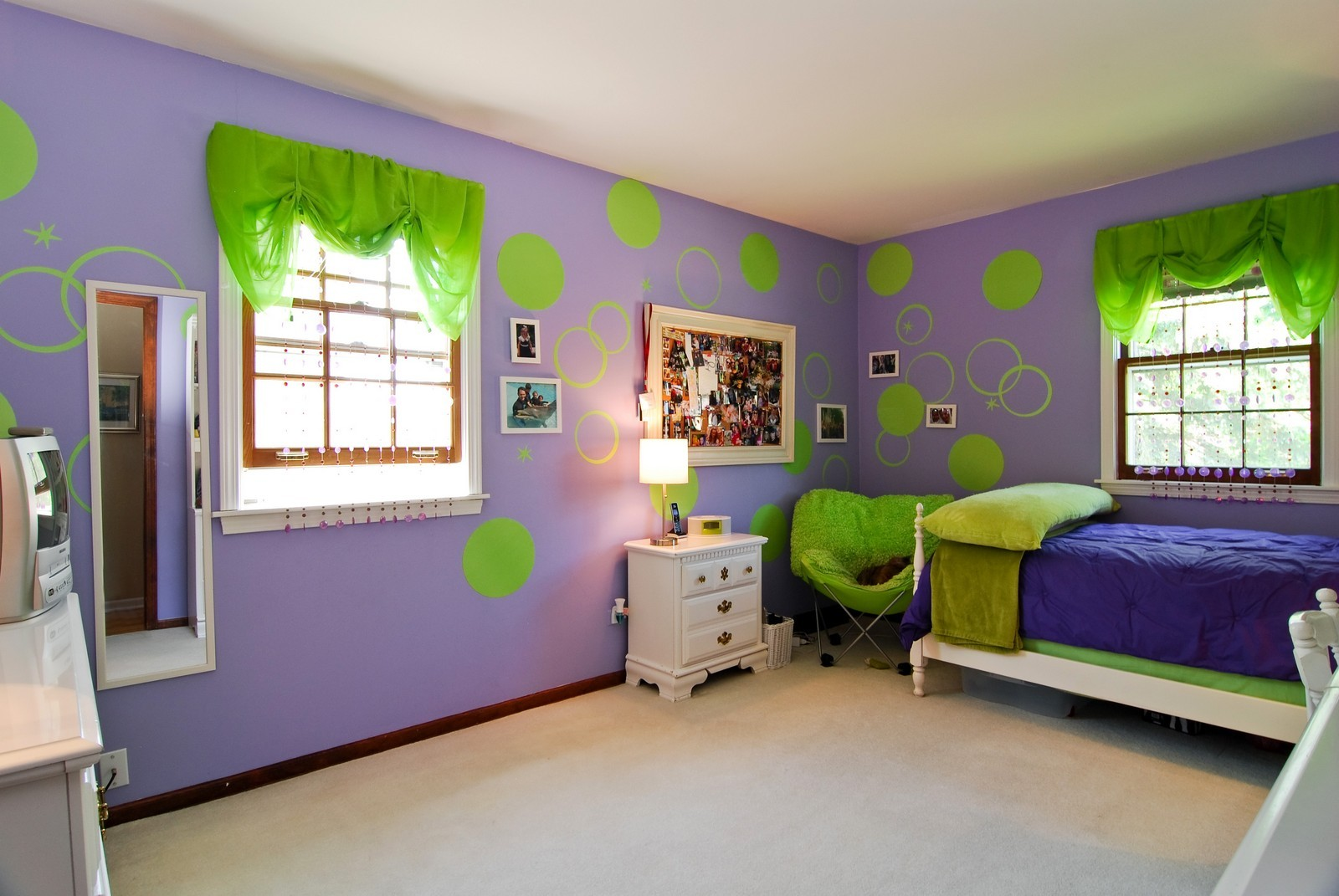 Real Estate Photography - 75 Newton, Glen Ellyn, IL, 60137 - Kids Bedroom