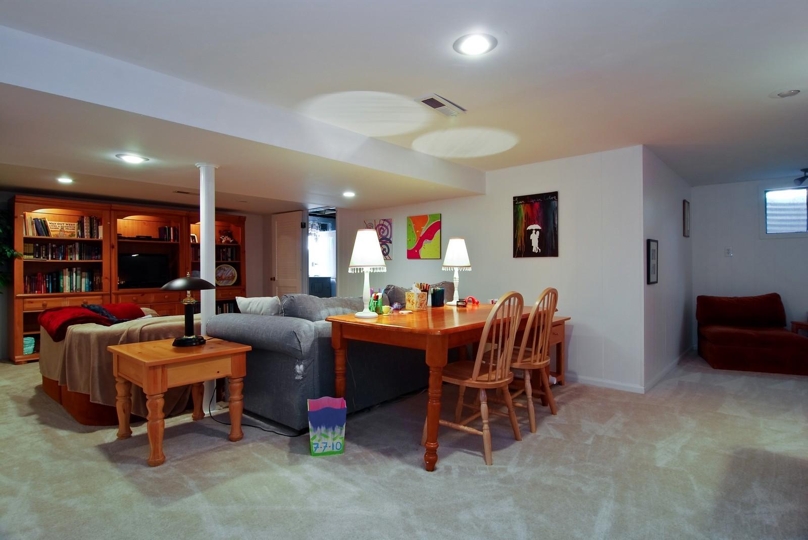 Real Estate Photography - 75 Newton, Glen Ellyn, IL, 60137 - Recreational Area