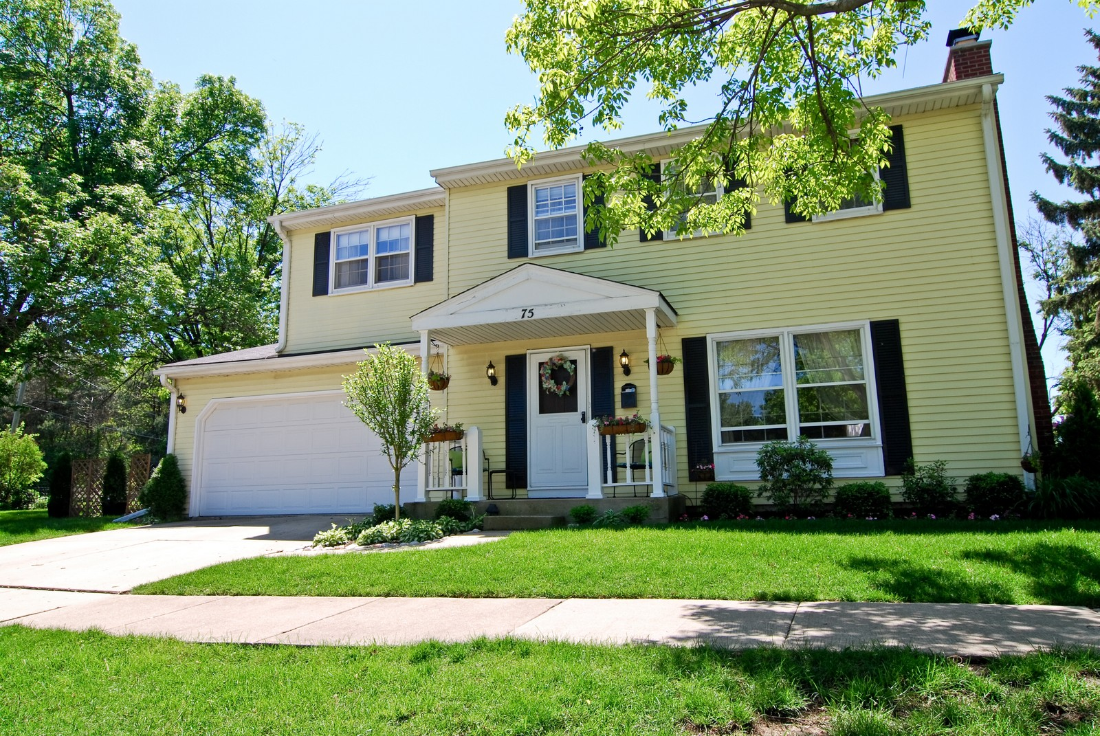 Real Estate Photography - 75 Newton, Glen Ellyn, IL, 60137 - Front View