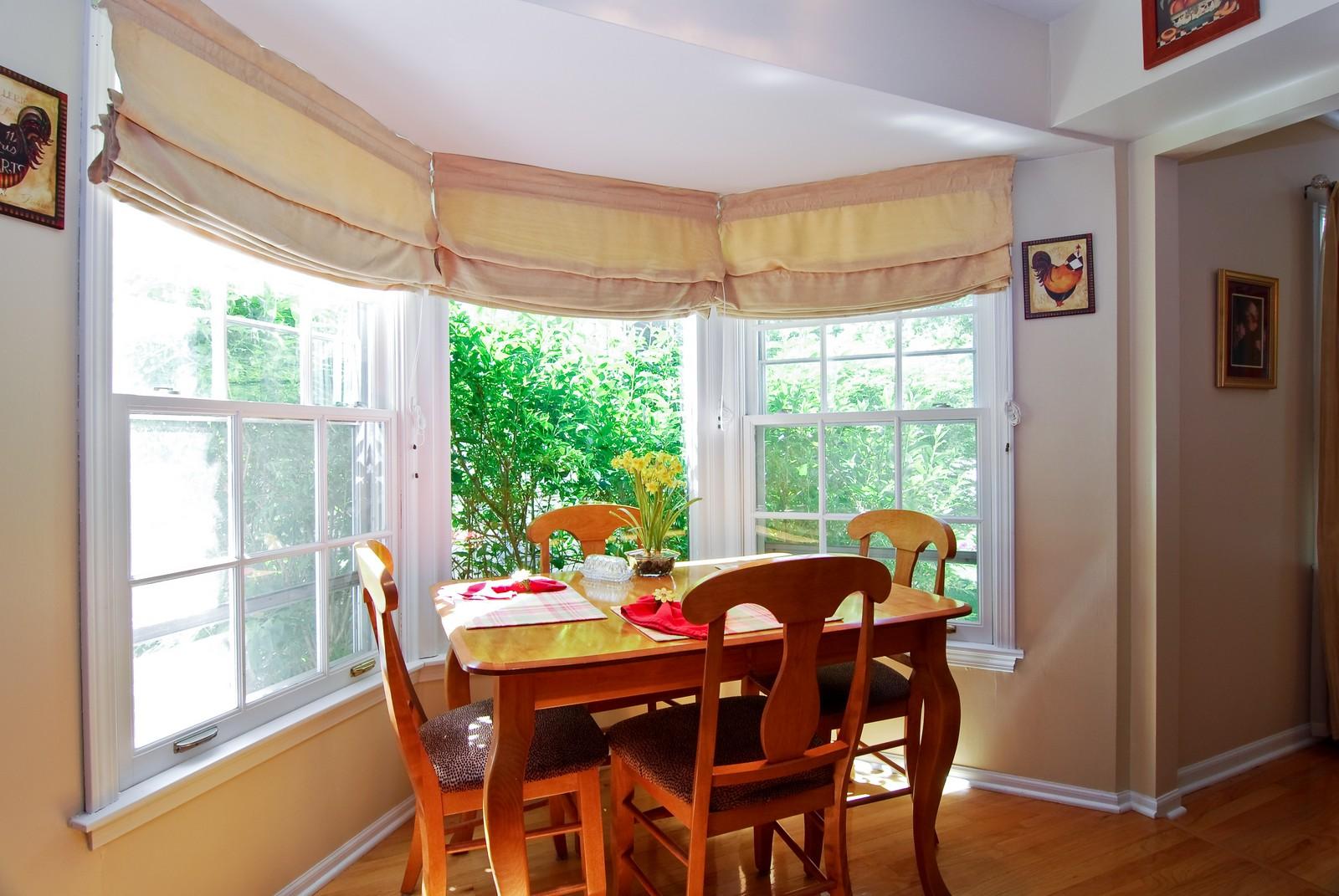 Real Estate Photography - 75 Newton, Glen Ellyn, IL, 60137 - Breakfast Nook