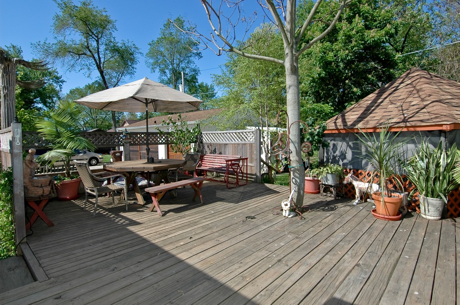 Real Estate Photography - 158 North Crystal Beach, Crystal Lake, IL, 60014 - Deck