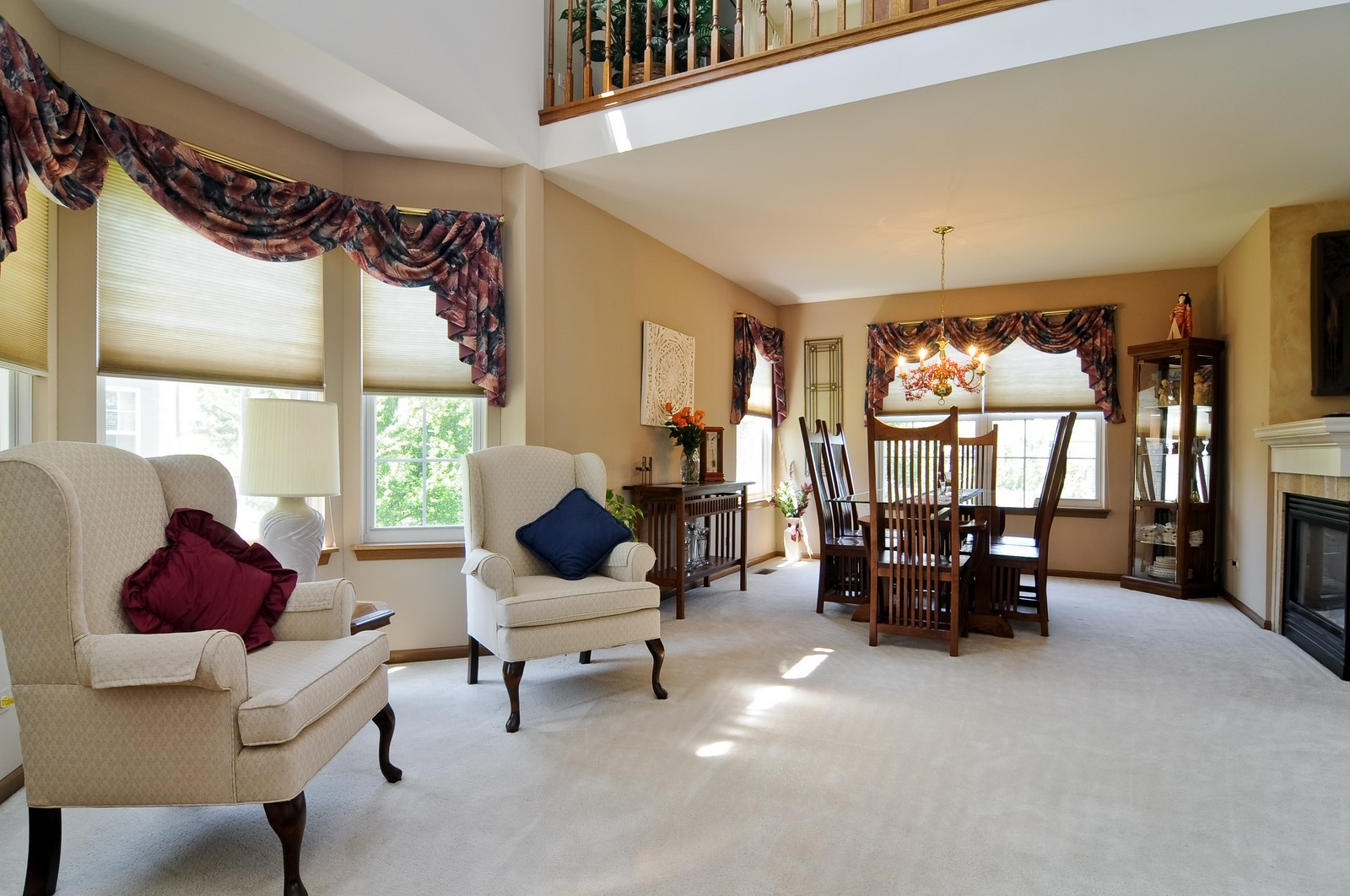 Real Estate Photography - 727 Sycamore, Lindenhurst, IL, 60046 - Living Room